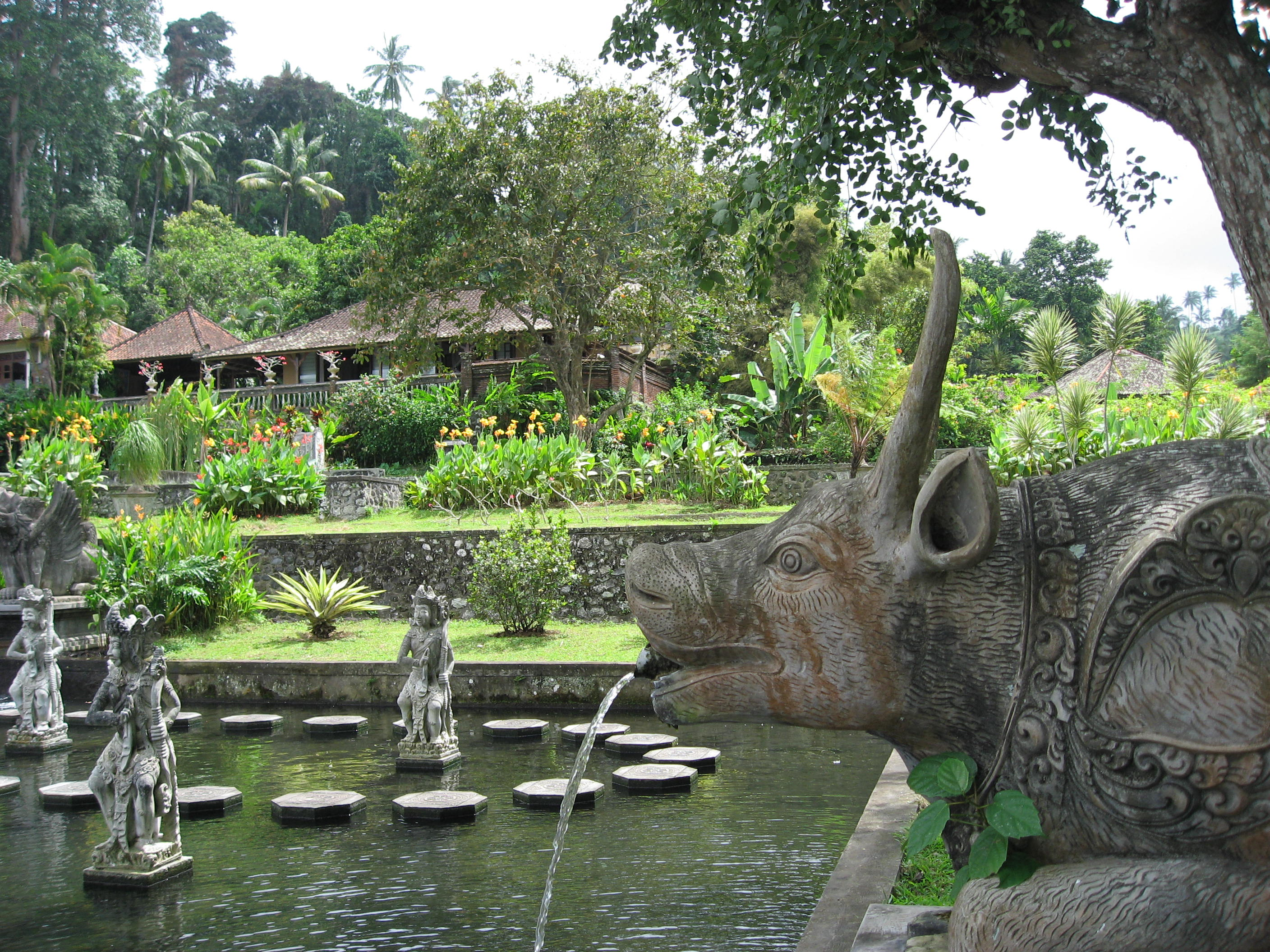 File Tirtagangga Water Garden 03 By Wikimedia Commons