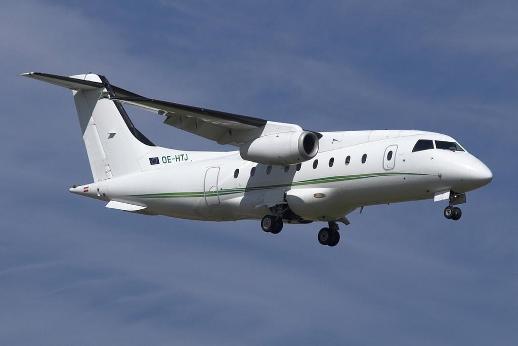 Fairchild Dornier 328JET - Wikipedia