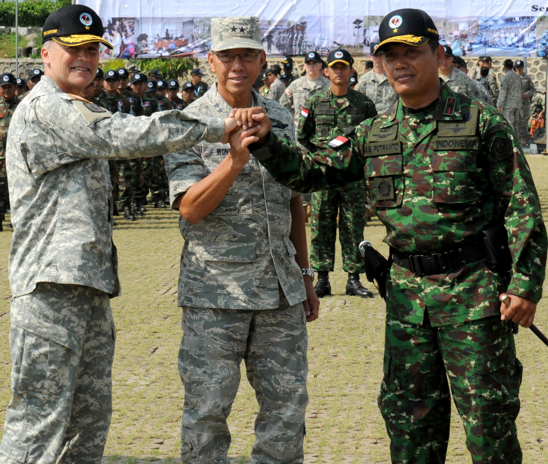 File:U.S. Army Brig. Gen. Bruce E. Oliveira, left, the commander ...