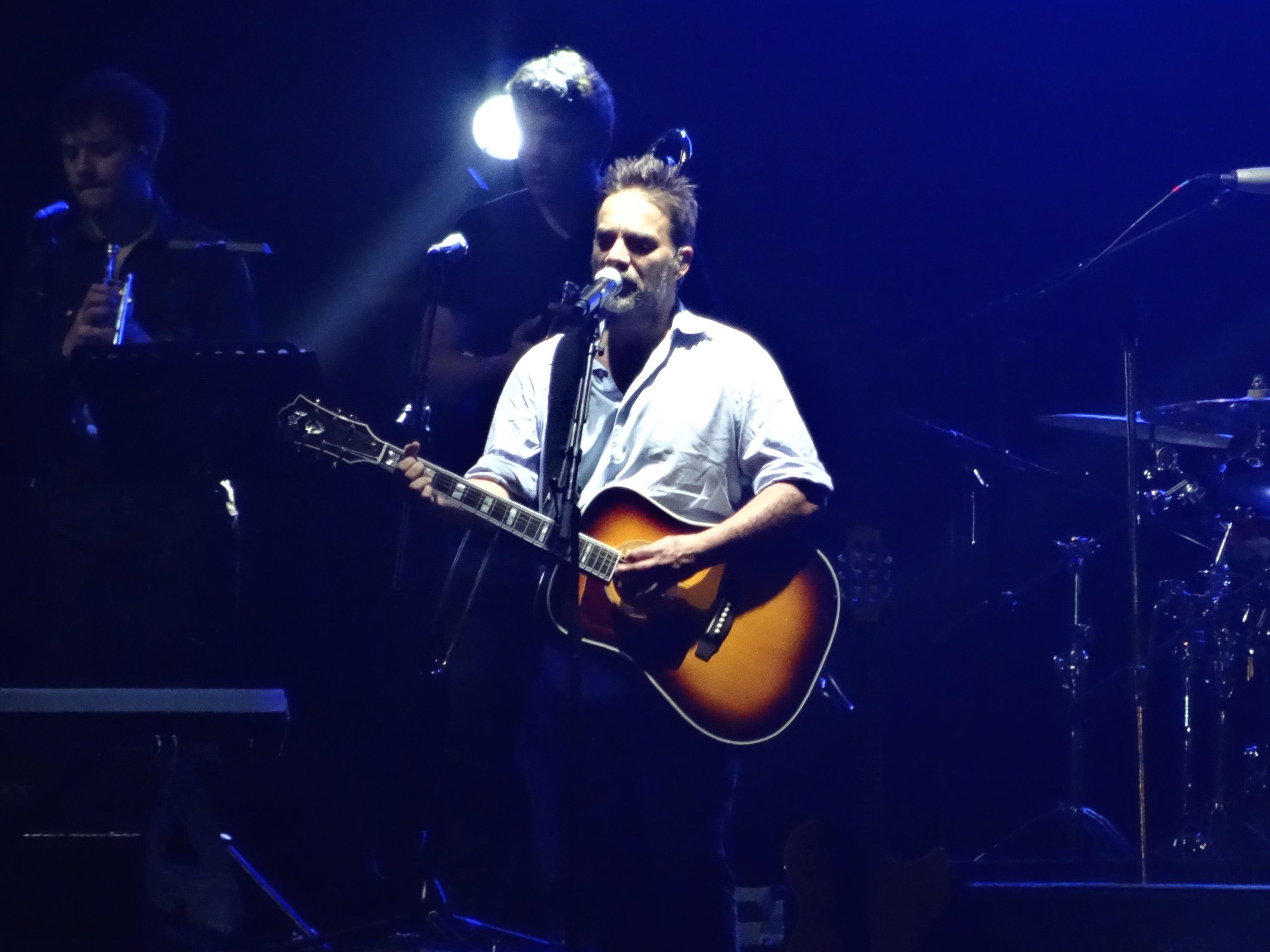 Vicentico cantando en Chile en febrero de 2015.
