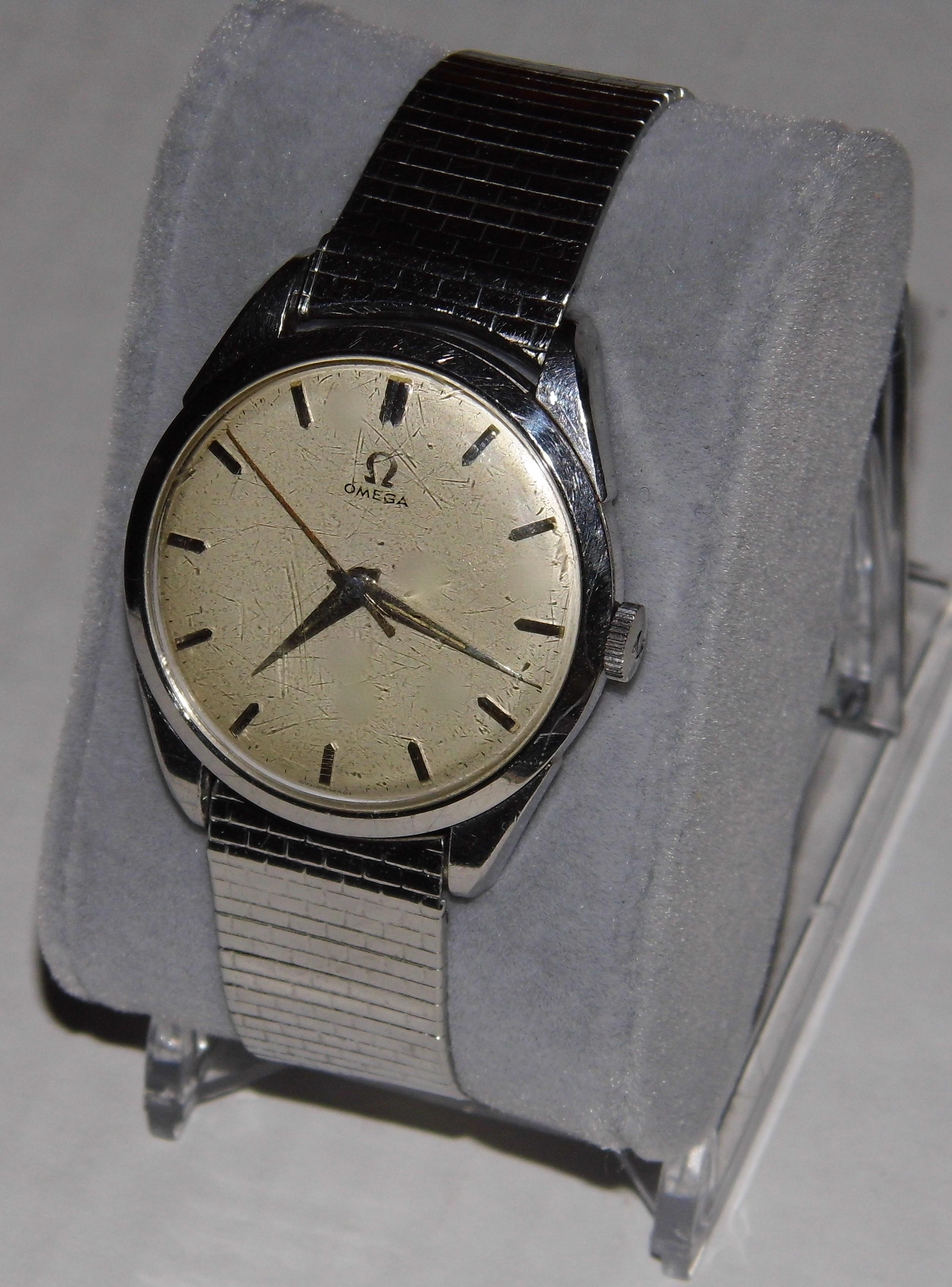 File:Vintage Omega Men's 17-Jewel Wrist Watch, Swiss-Made ...