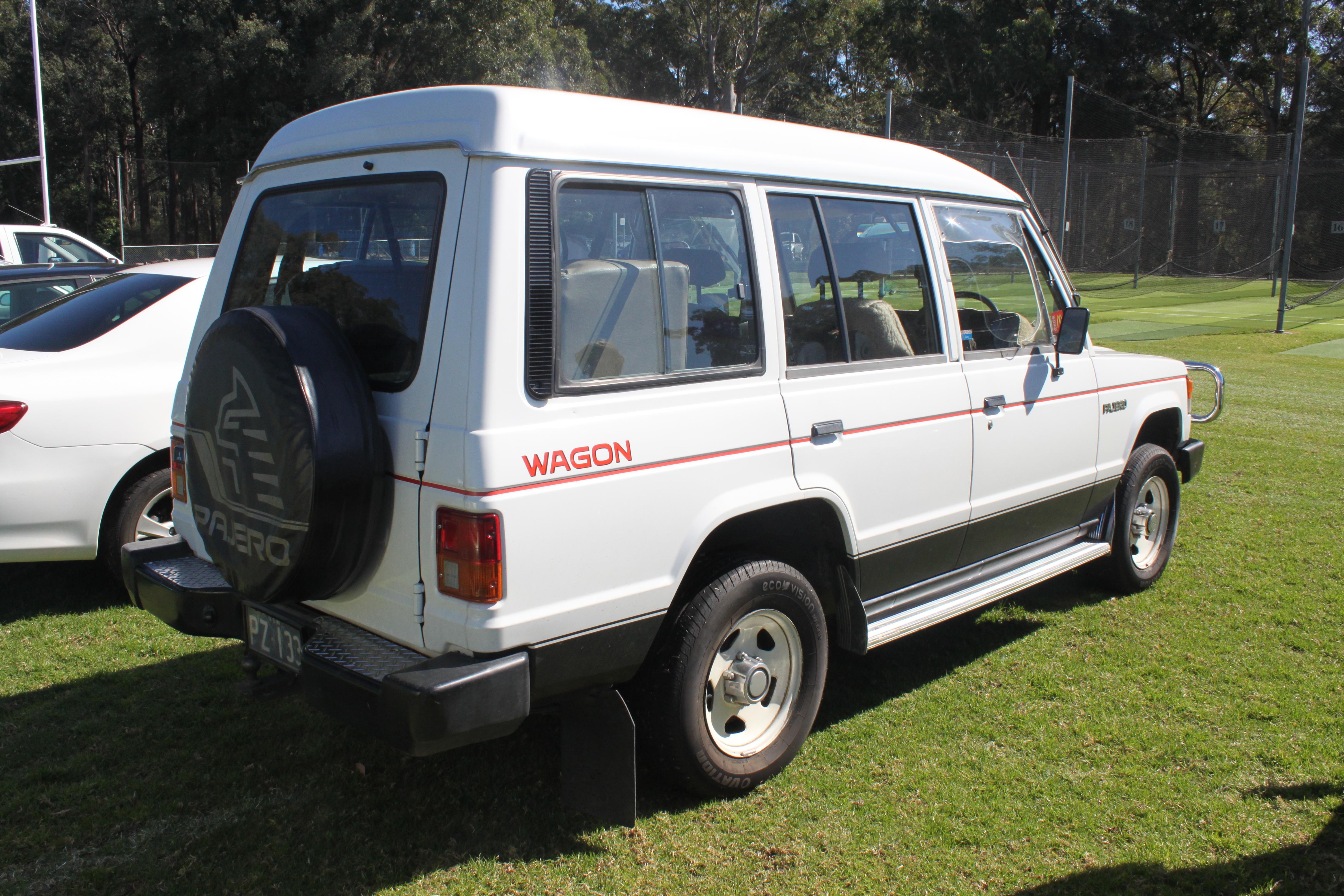 File:1984 Mitsubishi Pajero (NB) Superwagon wagon (21741552062).jpg