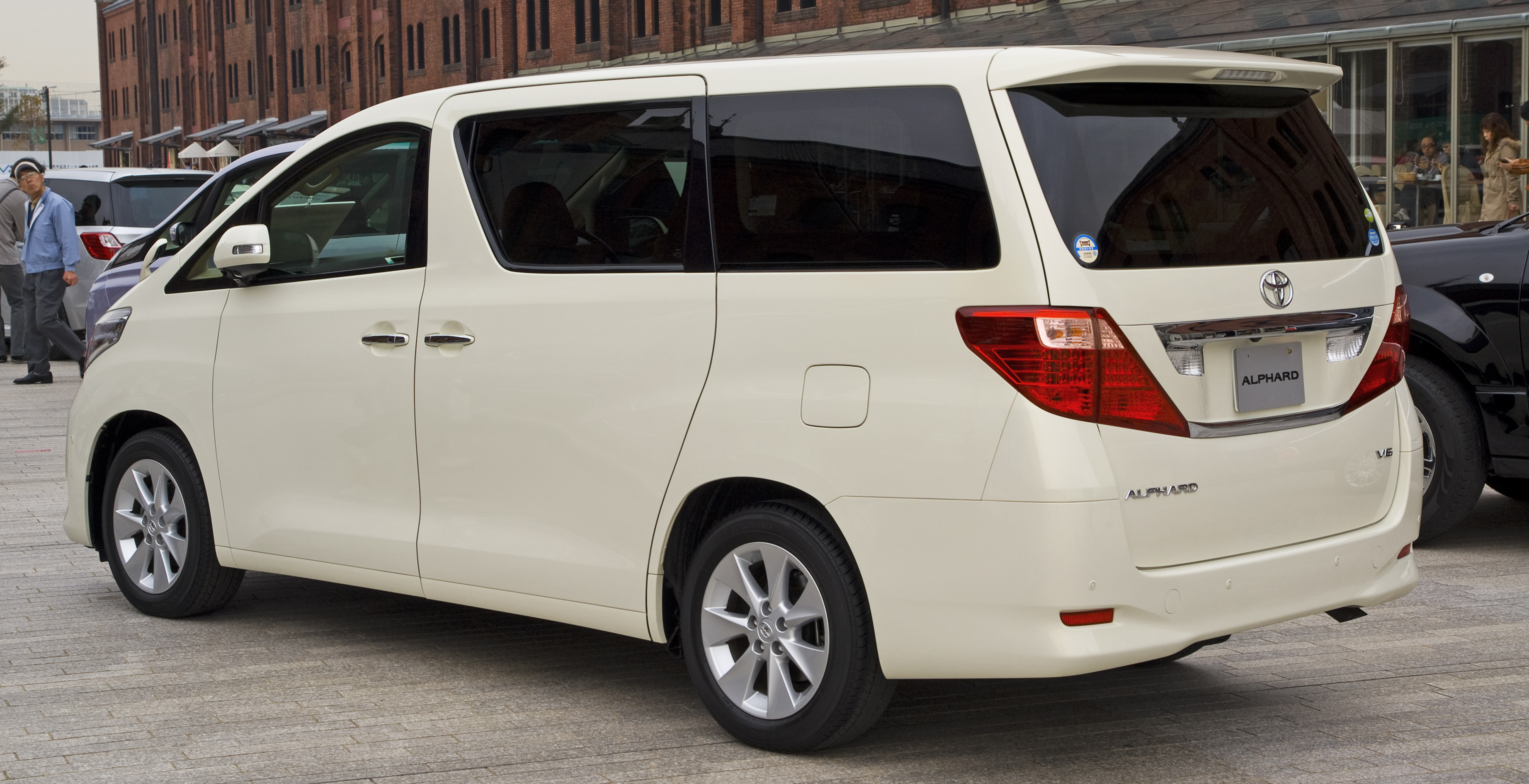 Kelebihan Toyota Alphard 2008 Perbandingan Harga