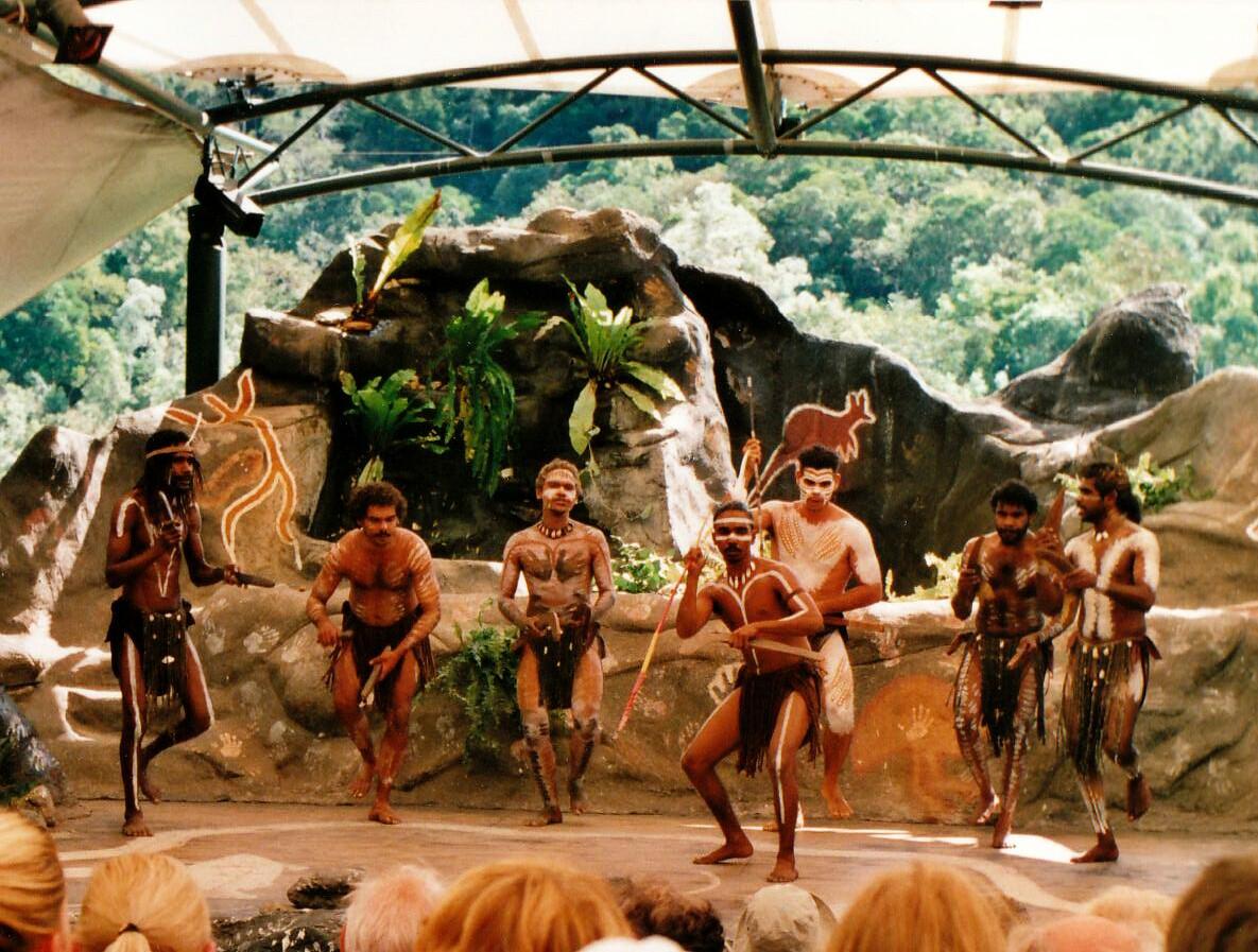 ผลการค้นหารูปภาพสำหรับ Tjapukai Aboriginal Cultural Park