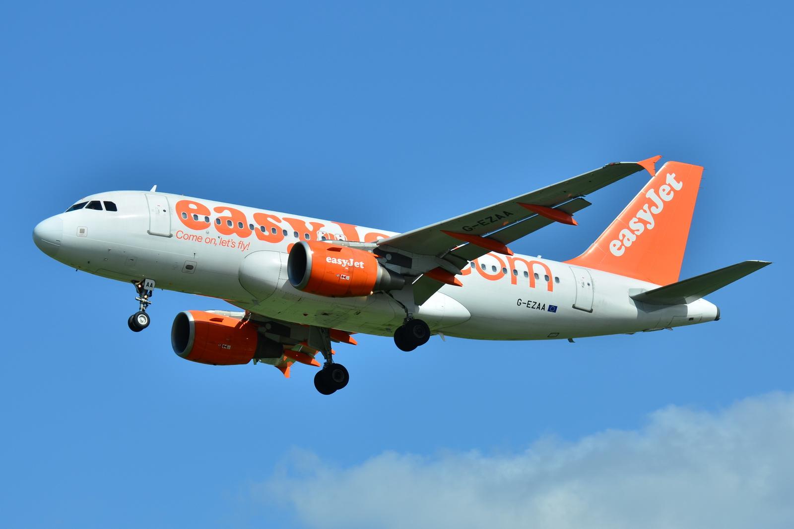 File:Airbus A319-100 Easyjet (EZY) G-EZAA - MSN 2677