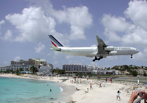 Air France Airbus A340 landing on Princess Juliana Airport in Saint Martin