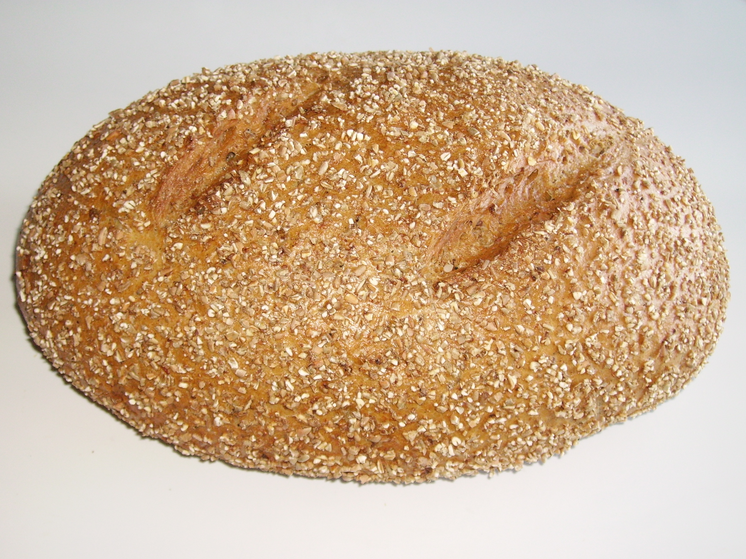 Bild eines Brotes, By Garitzko (Own work) [Public domain], via Wikimedia Commons