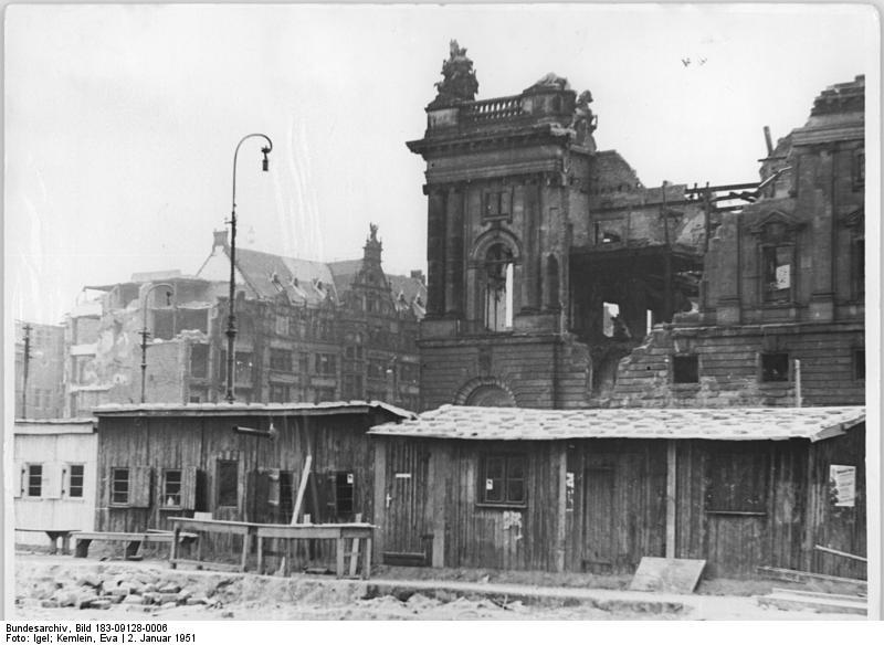 File:Bundesarchiv Bild 183-09128-0006, Berlin, Stadtschloss, Abriss.jpg