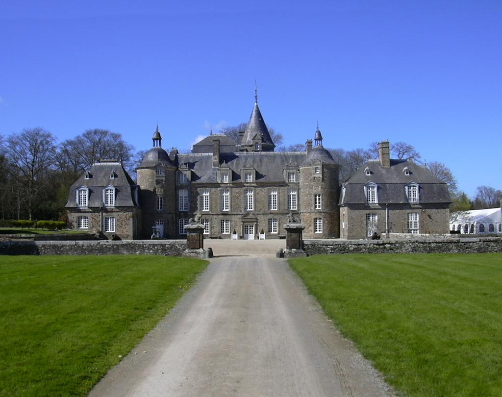 File Chateau De La Bourbansais Jpg Wikimedia Commons