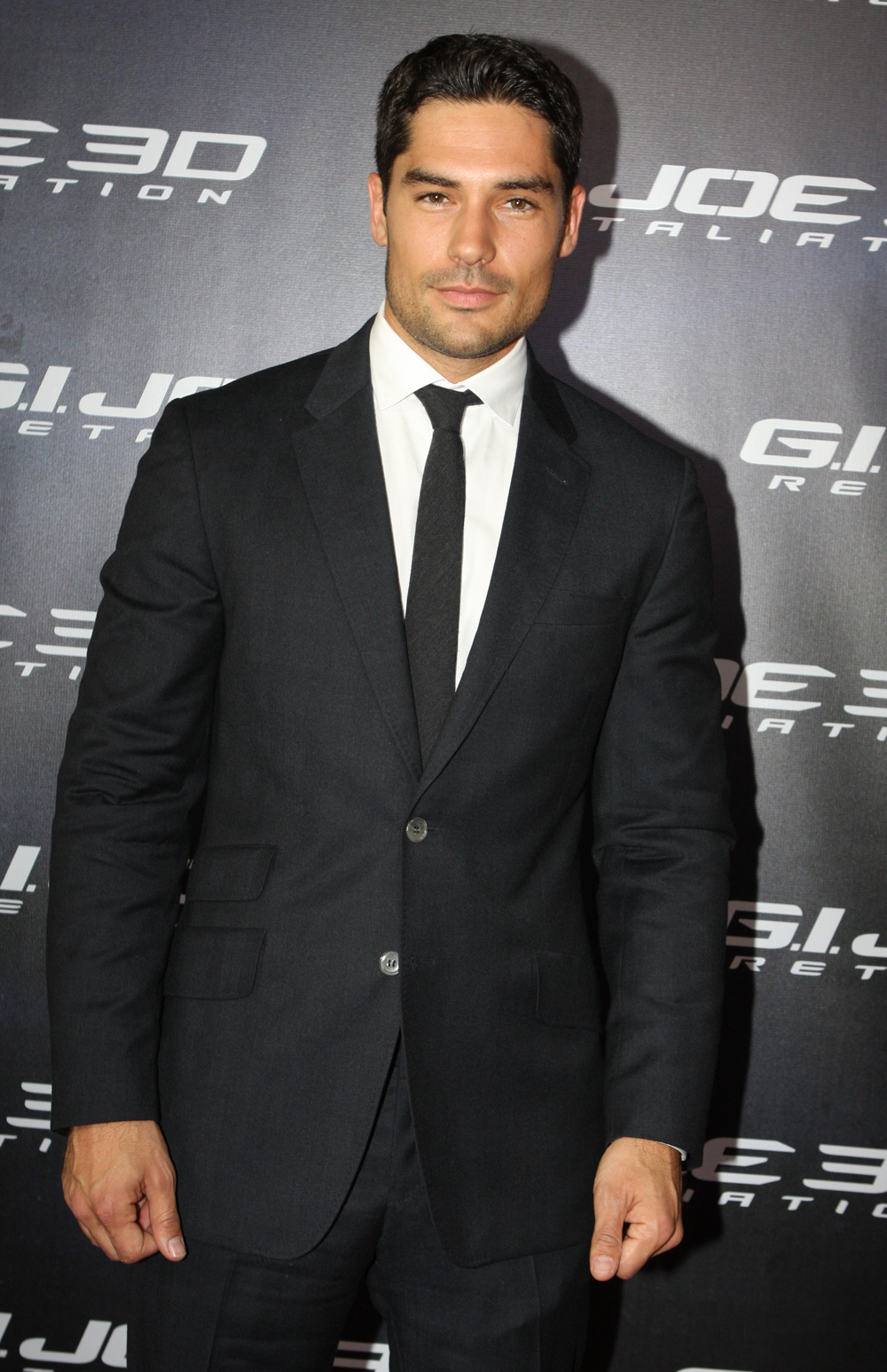 File:D.J. Cotrona in Sydney, Australia, on 14th March 2013 ...