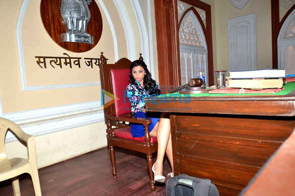 Daisy Shah snapped on the sets of 'Hate Story 3'-5