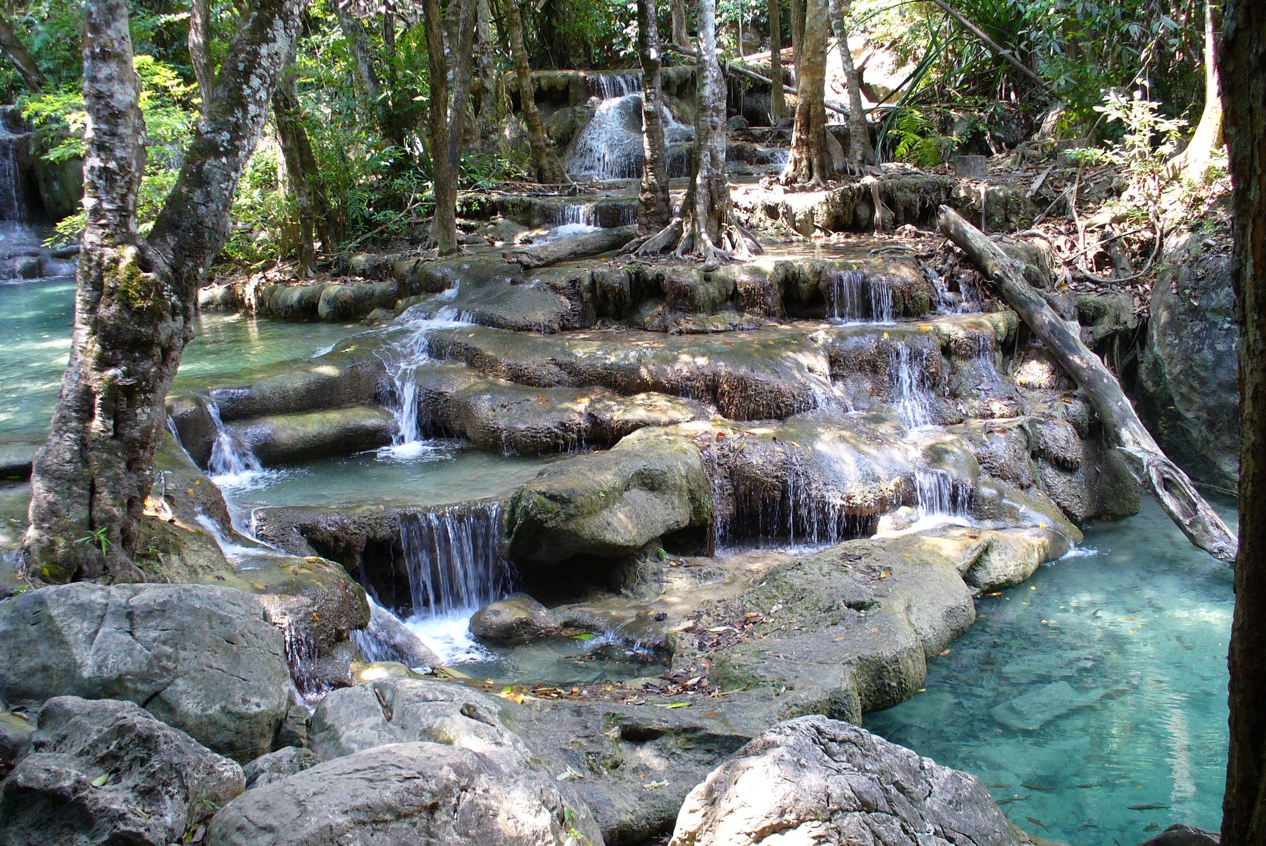 File:Erawan Falls 2.JPG - Wikimedia Commons