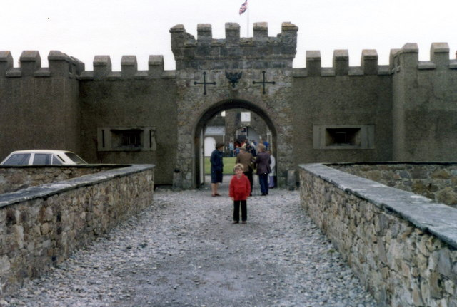 http://upload.wikimedia.org/wikipedia/commons/6/6a/Fort_Belan.jpg