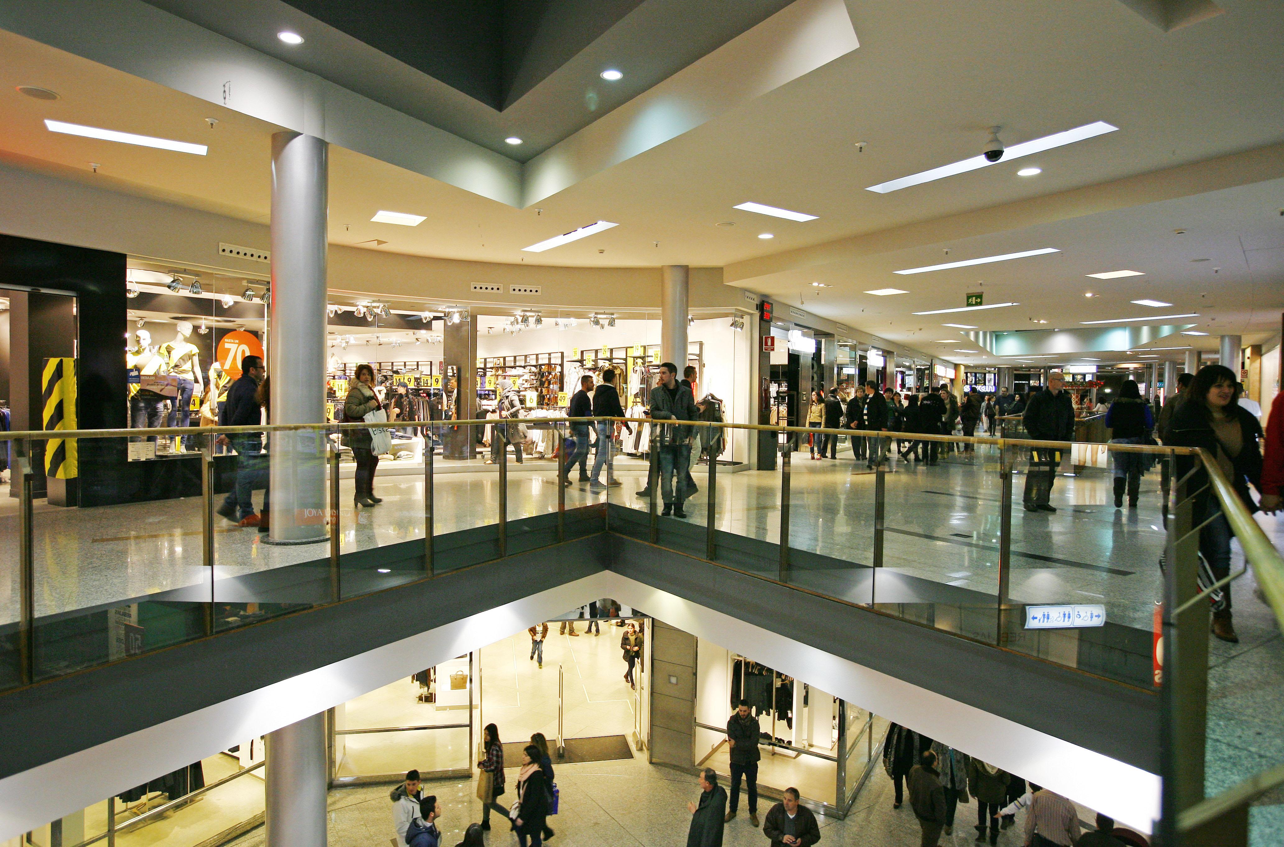 archivo interior centro comercial el tormes de salamanca