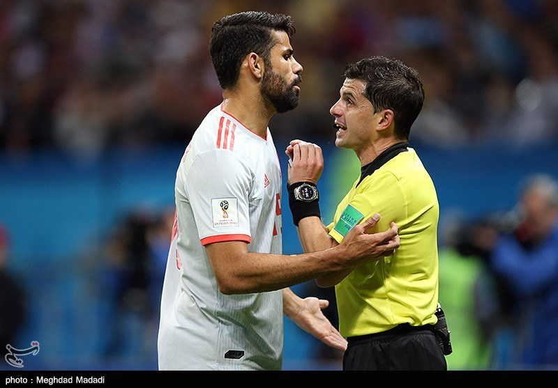 Iran and Spain match at the FIFA World Cup (2018-06-20) 22.jpg