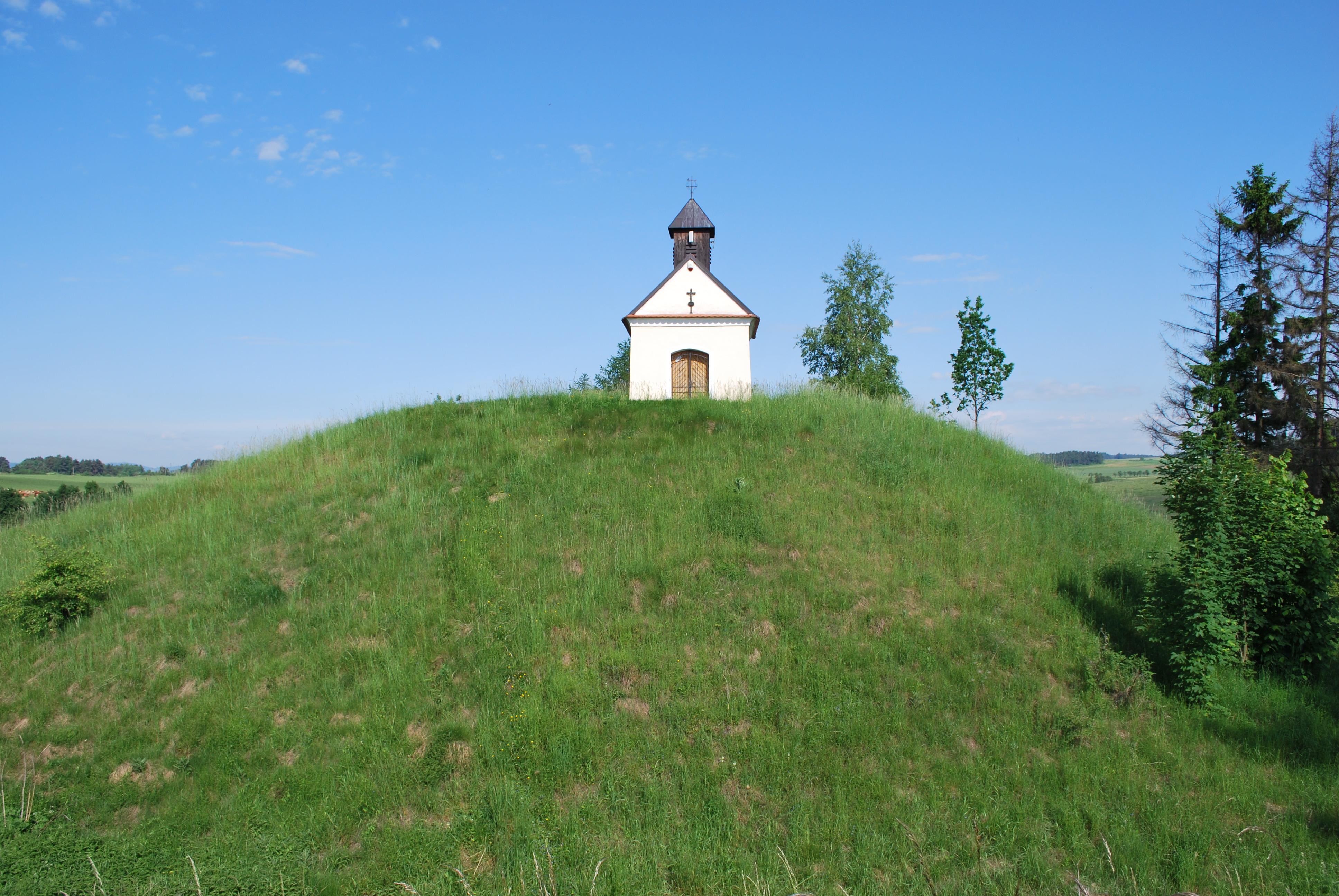 Kaple svatého Antonína na místě tehdejšího hradiště