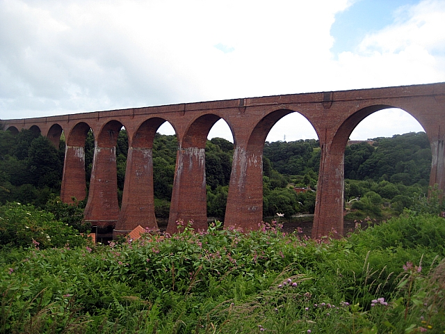 Larpool Viaduct - geograph.org.uk - 1397573