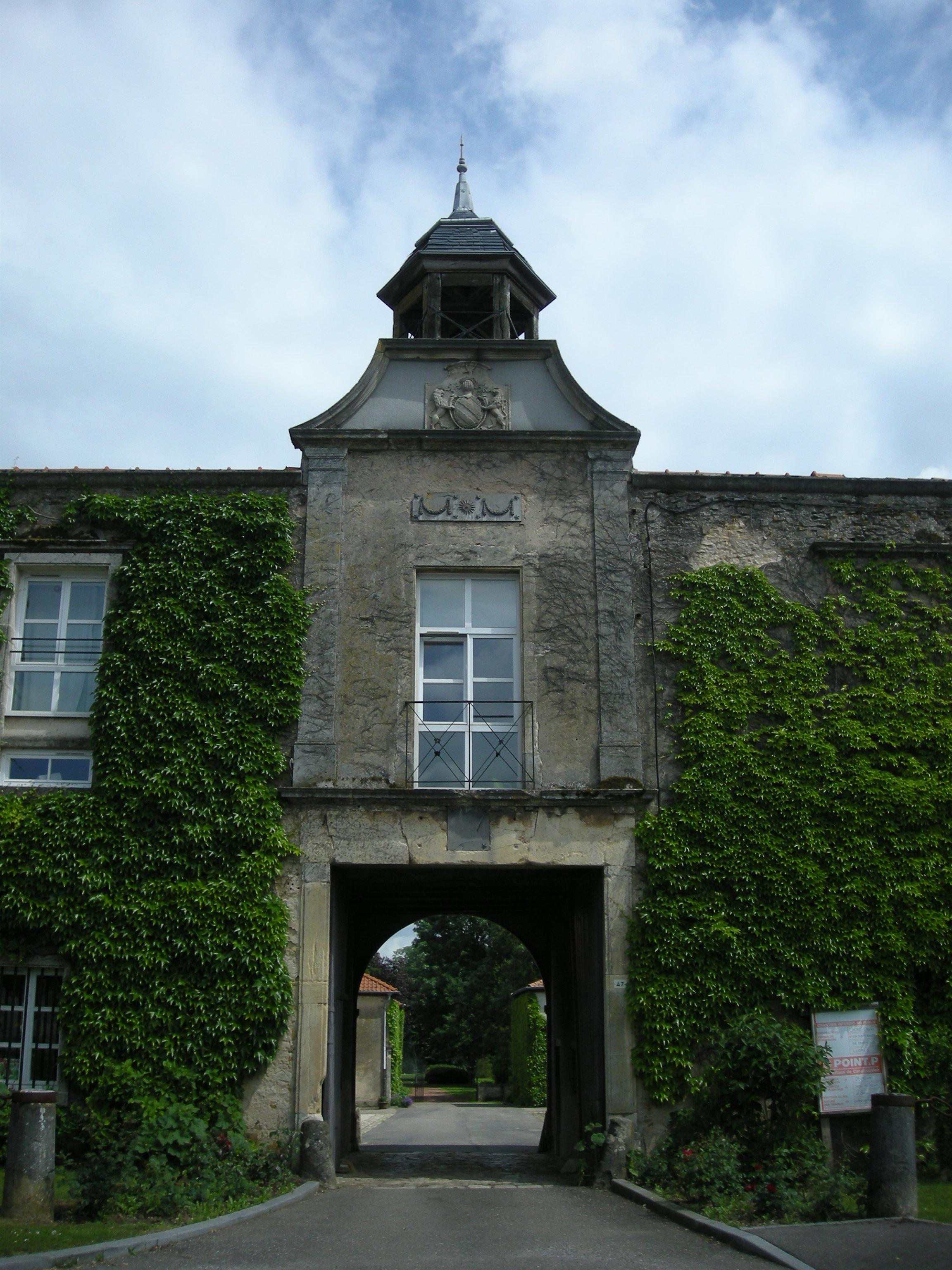 Ludres France  city photos : Fichier:Ludres Château — Wikipédia