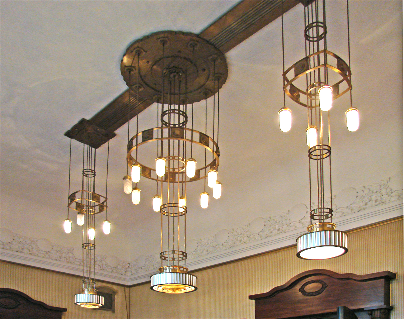 File luminaire jugendstil oslo 4849344013 jpg wikimedia commons - Grosse suspension luminaire ...