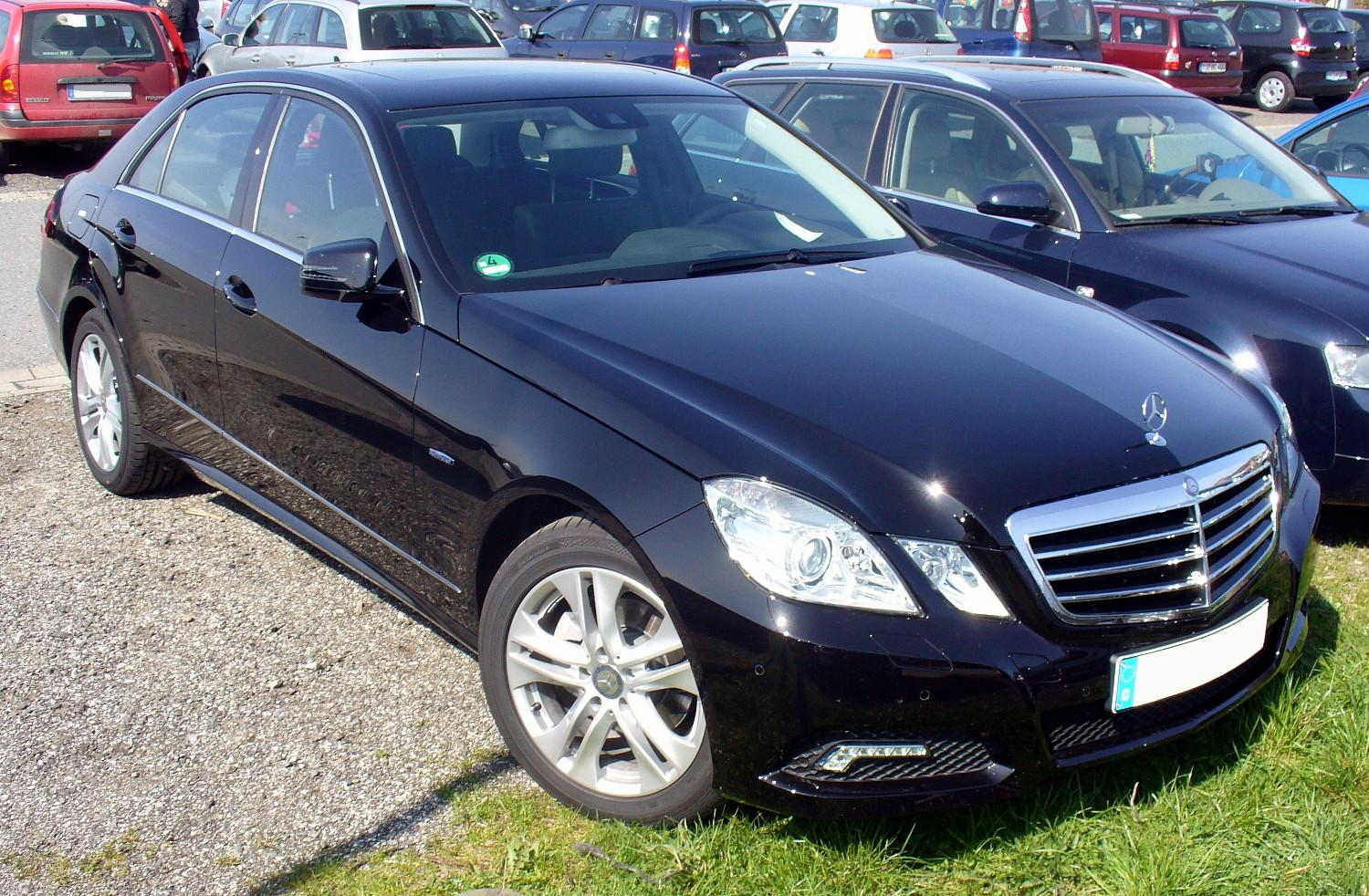 file mercedes benz w212 e 220 cdi blueefficiency. Black Bedroom Furniture Sets. Home Design Ideas
