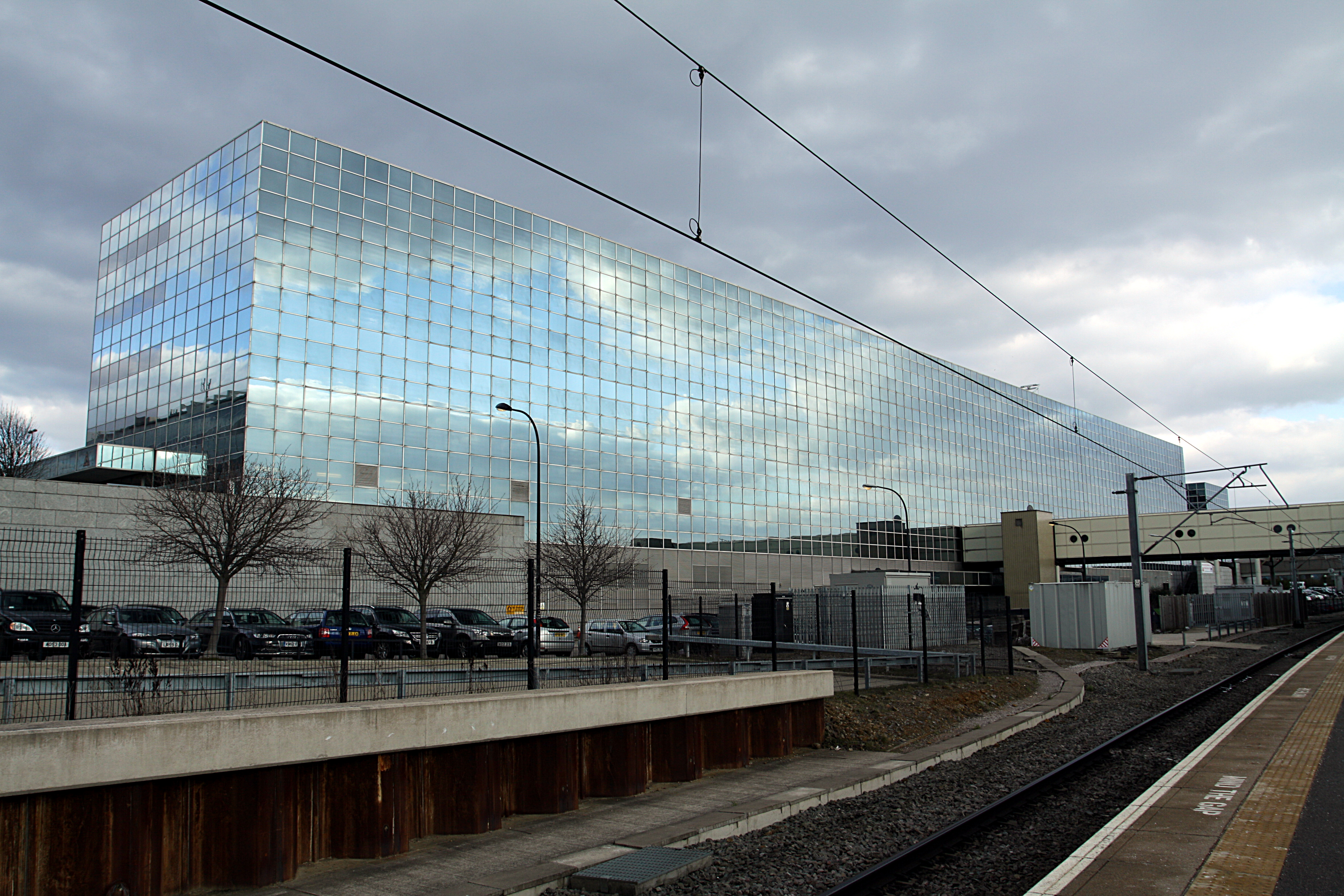 File Milton Keynes Central Train Station From Platform 1