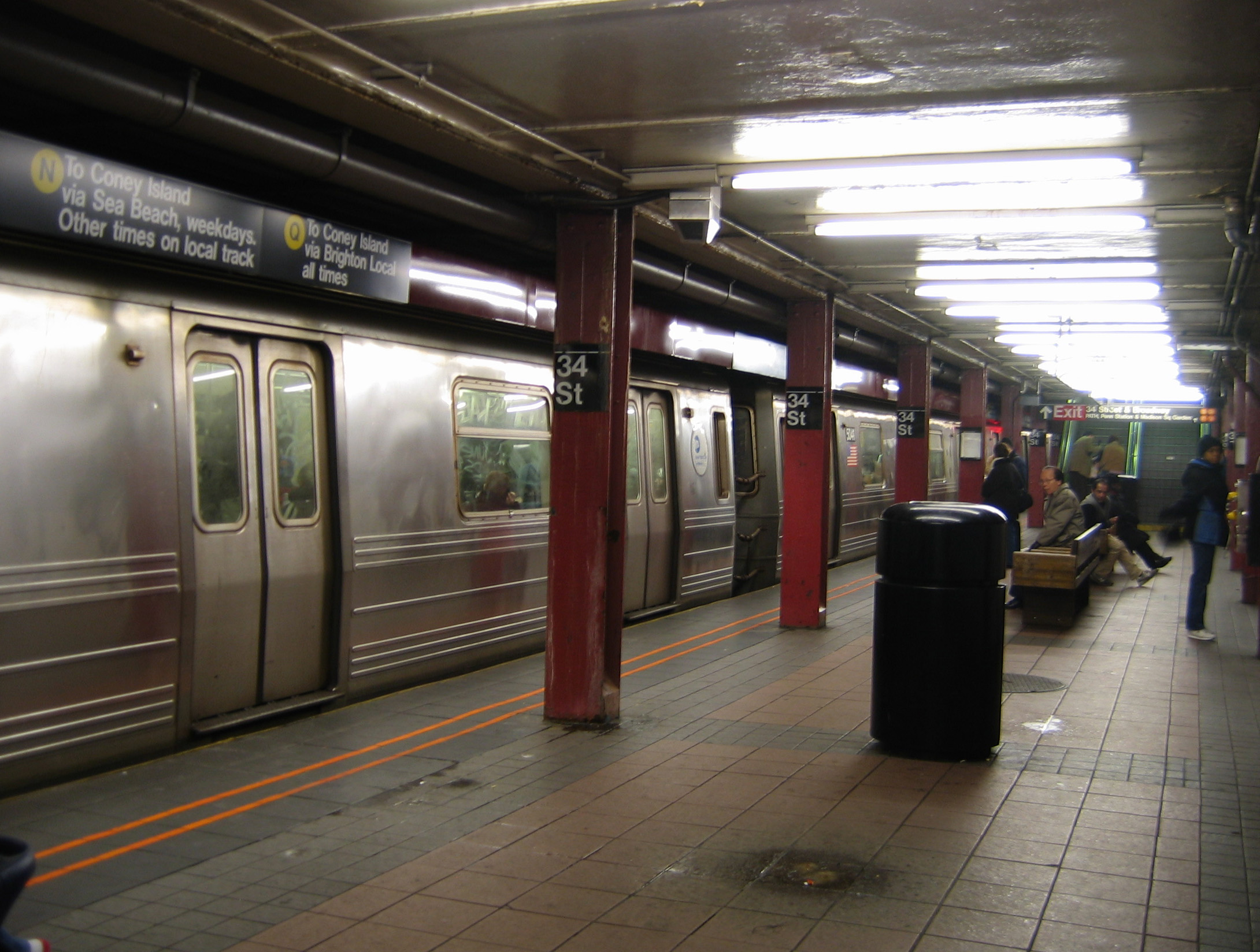 file:nyc subway 34st station - wikimedia commons