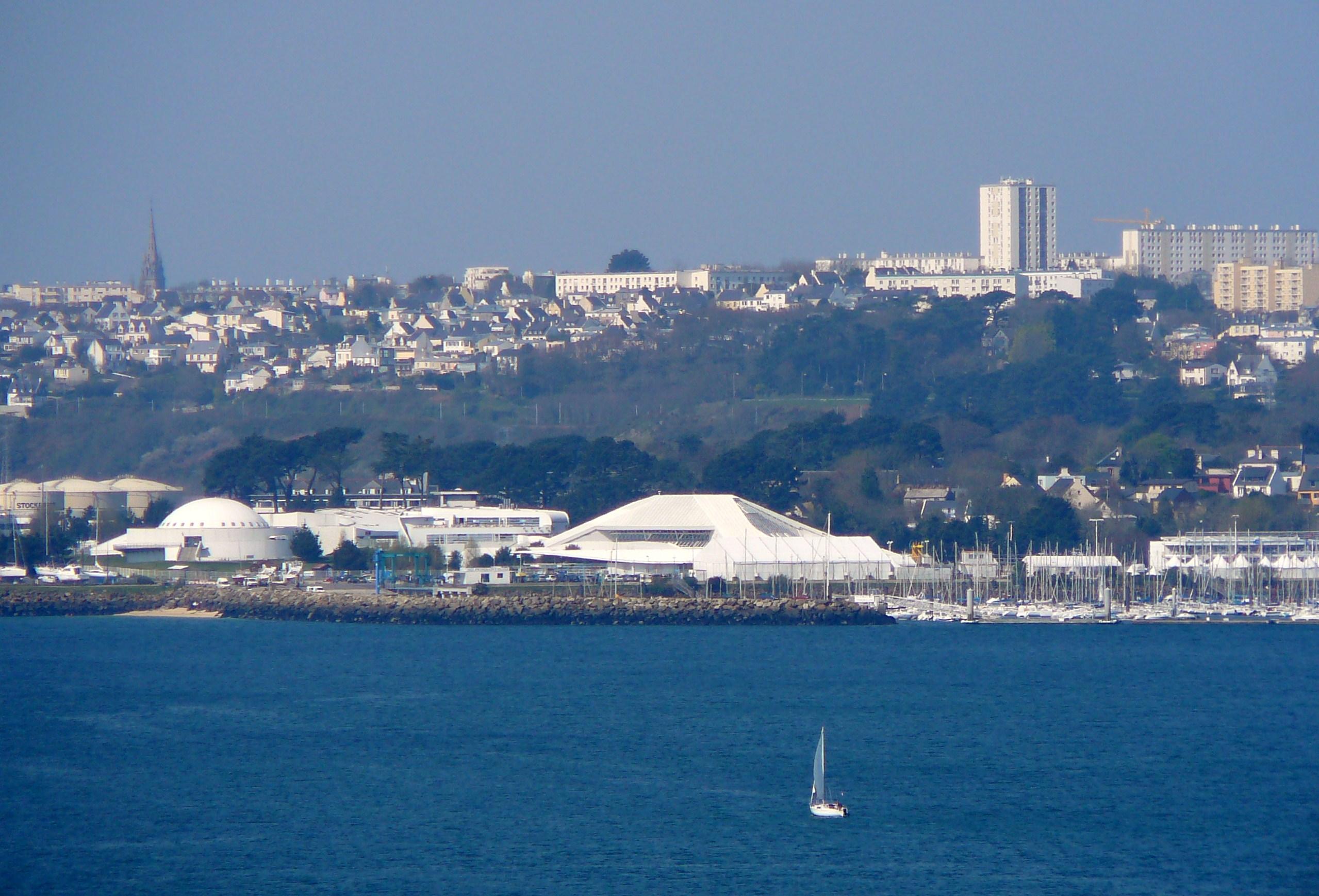 File:Oceanopolis dal ponte.JPG - Wikimedia Commons