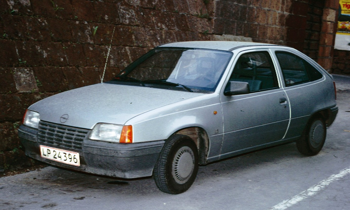 30 jahre kadett gsi eine pers nliche hommage an den 200 for Opel kadett e interieur