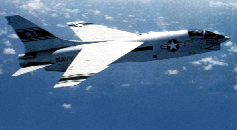 RF-8G_Crusader_of_VFP-63_Det.5_in_flight