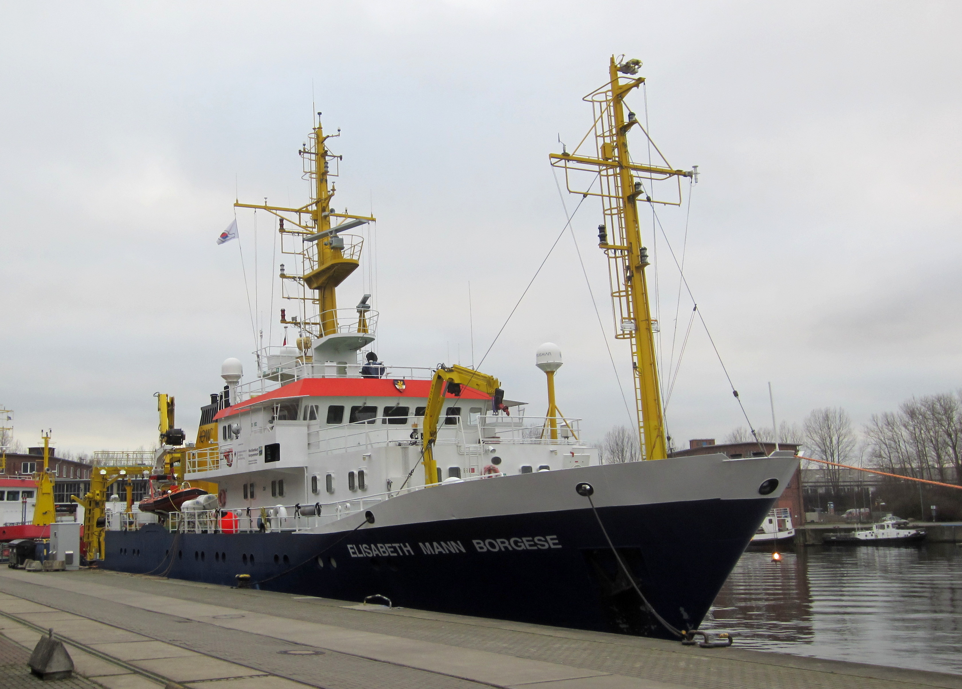 File:RV Elisabeth Mann Borgese in Rostock Januar 2015.JPG ...