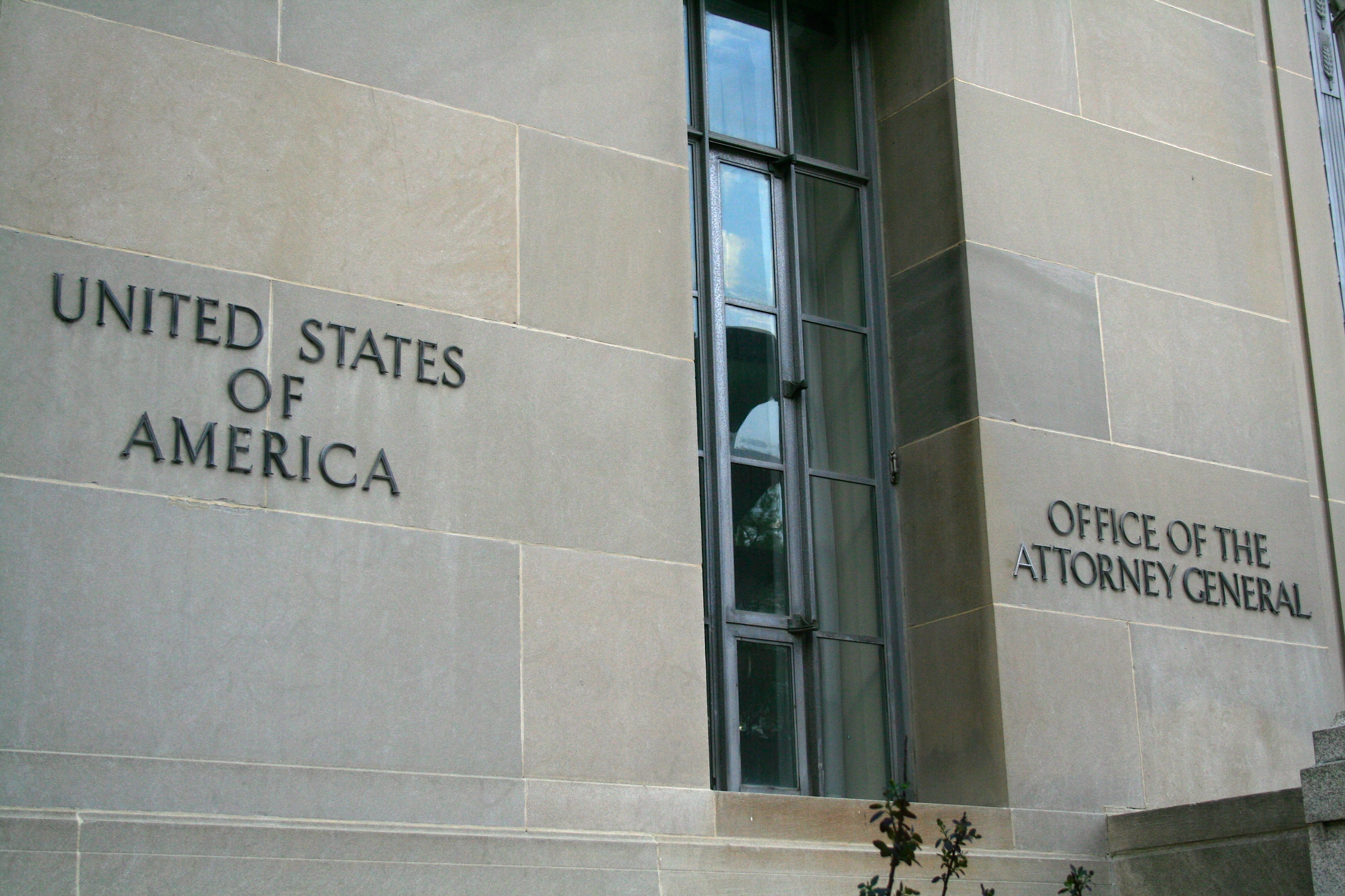a general overview of the accusations brought by the us justice department against microsoft Microsoft was a court case filed against microsoft microsoft initially brought in an the us justice department has accused microsoft of being.