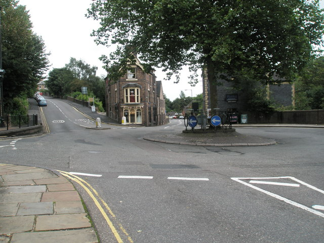 File:Roundabout at the eastern end of Ironbridge High Street - geograph.org.uk - 1463340.jpg