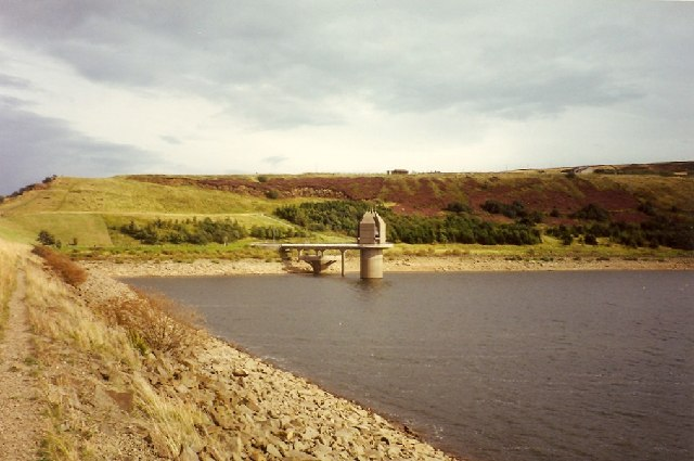 Scammonden Dam and Valve Tower - geograph.org.uk - 85306