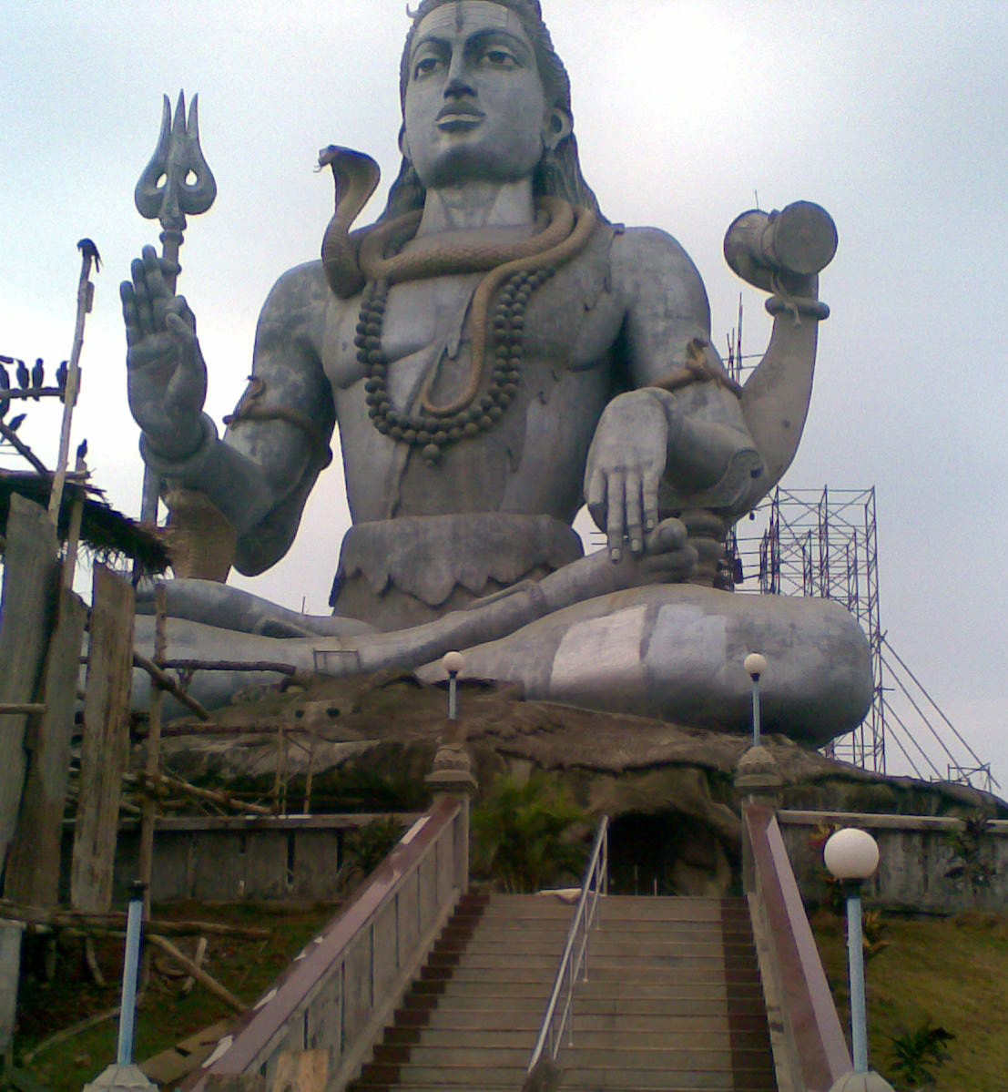 Mahabaleshwar India  City pictures : Description Shiva Statue at Mahabaleshwar, Karnataka, India
