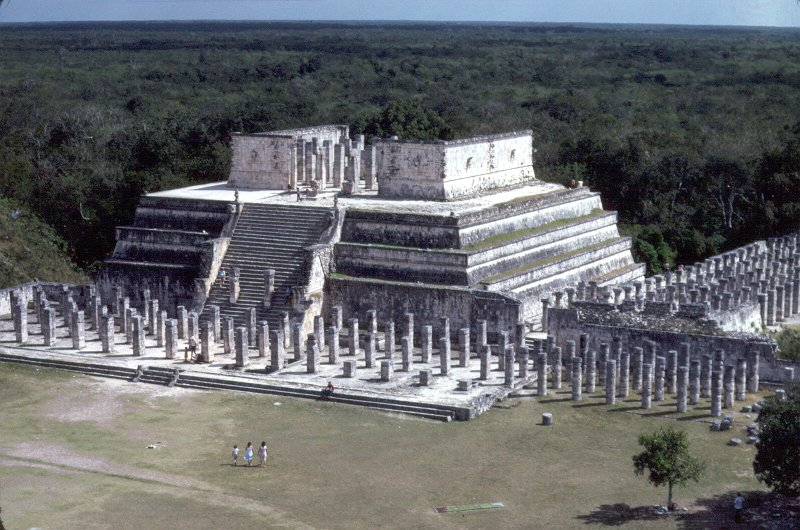 File:Temple of the Warriors, Chichen Itza1986.jpg