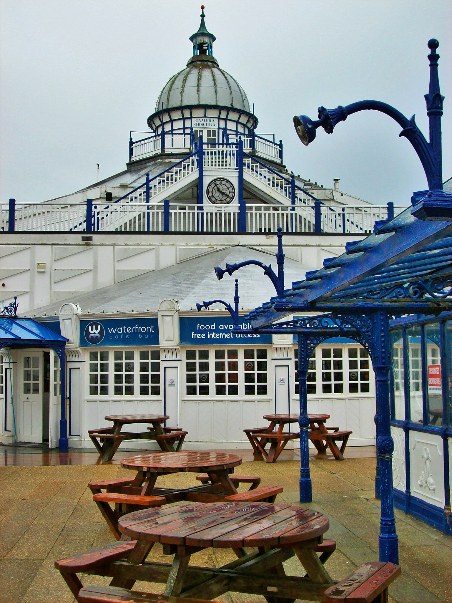filethe camera obscura eastbourne pierjpg wikimedia