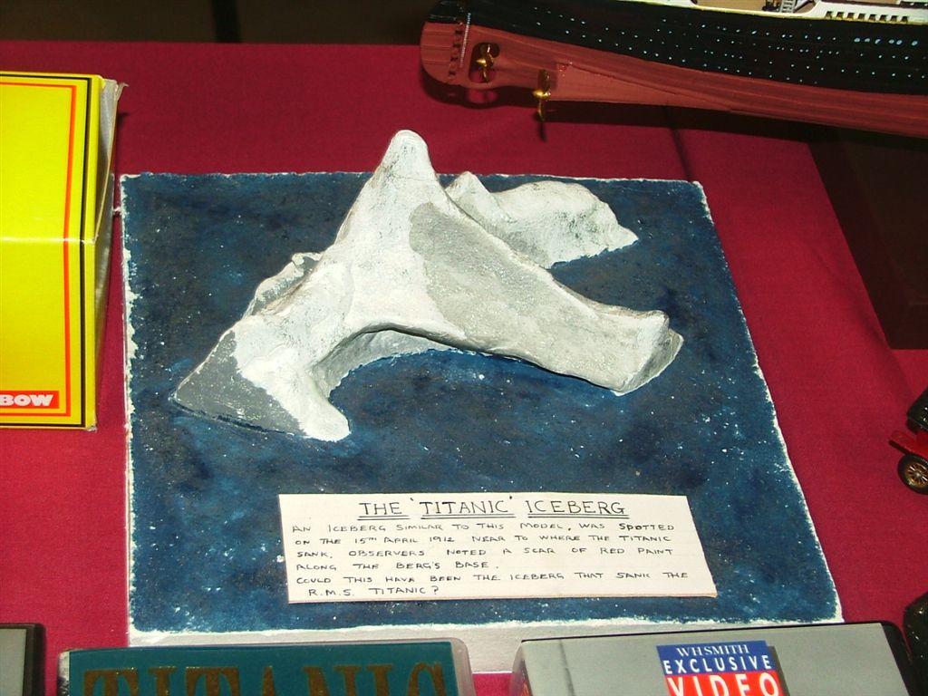 File Titanic S Iceberg Model Jpg Wikimedia Commons
