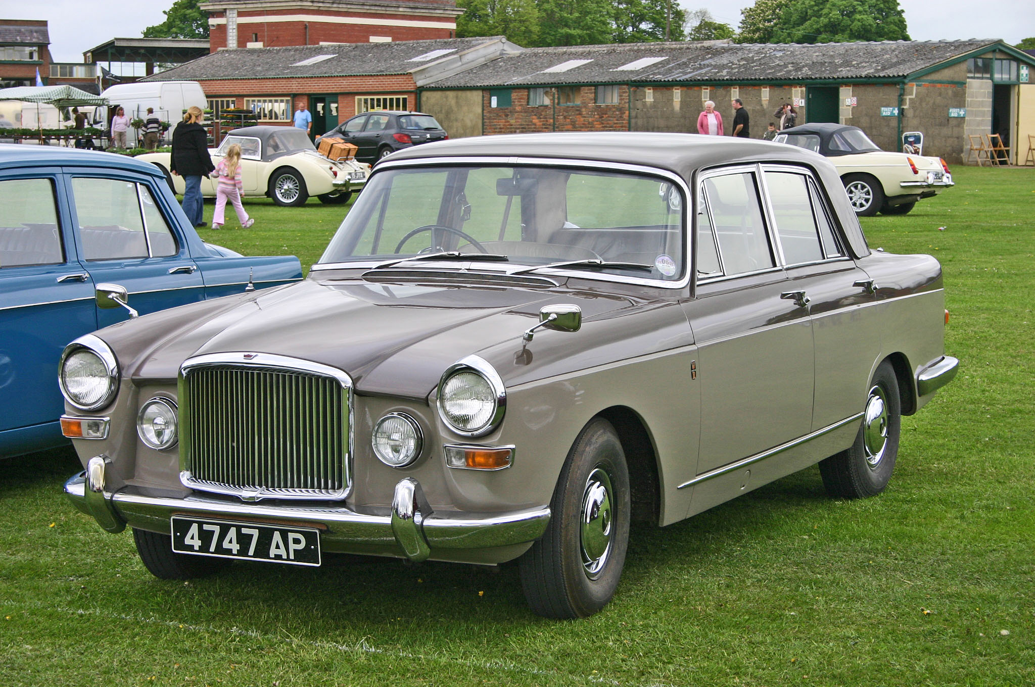File:Vanden-Plas Princess 4-litre R front.jpg - Wikipedia, the ...