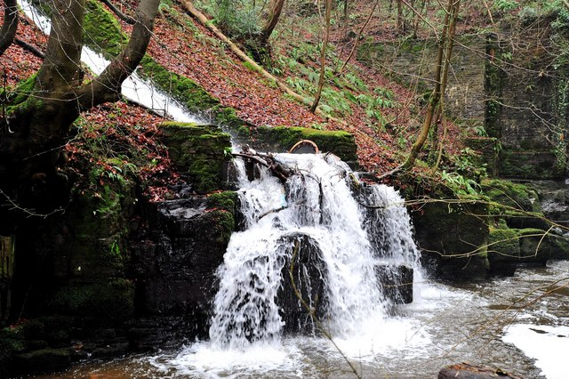 Waterfall near Gilwern - geograph.org.uk - 1538776