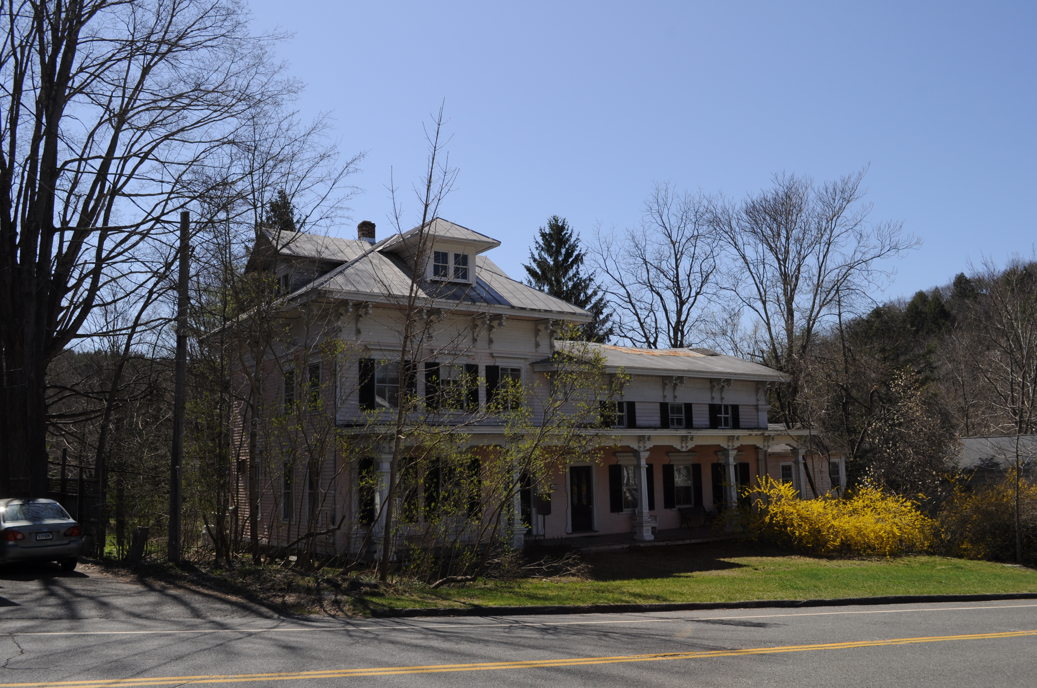 File:West Cornwall, CT - old house 02.jpg - Wikimedia Commons