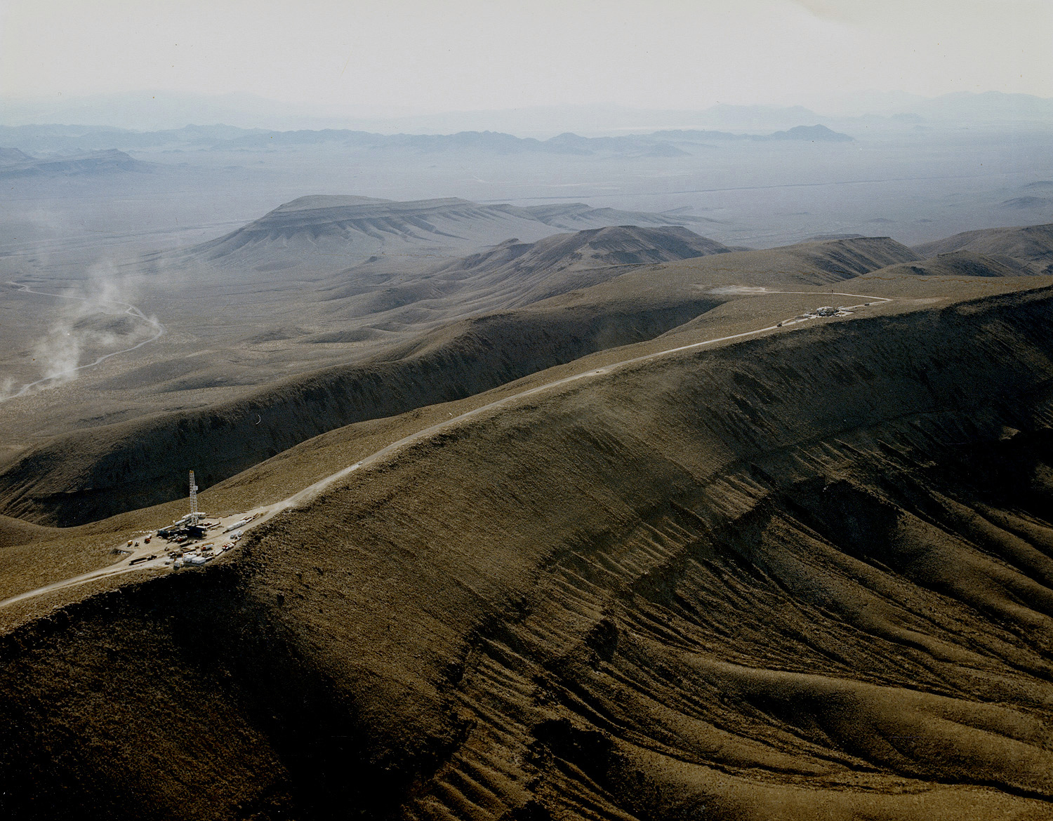 http://upload.wikimedia.org/wikipedia/commons/6/6a/Yucca_Mountain_crest_south.jpg