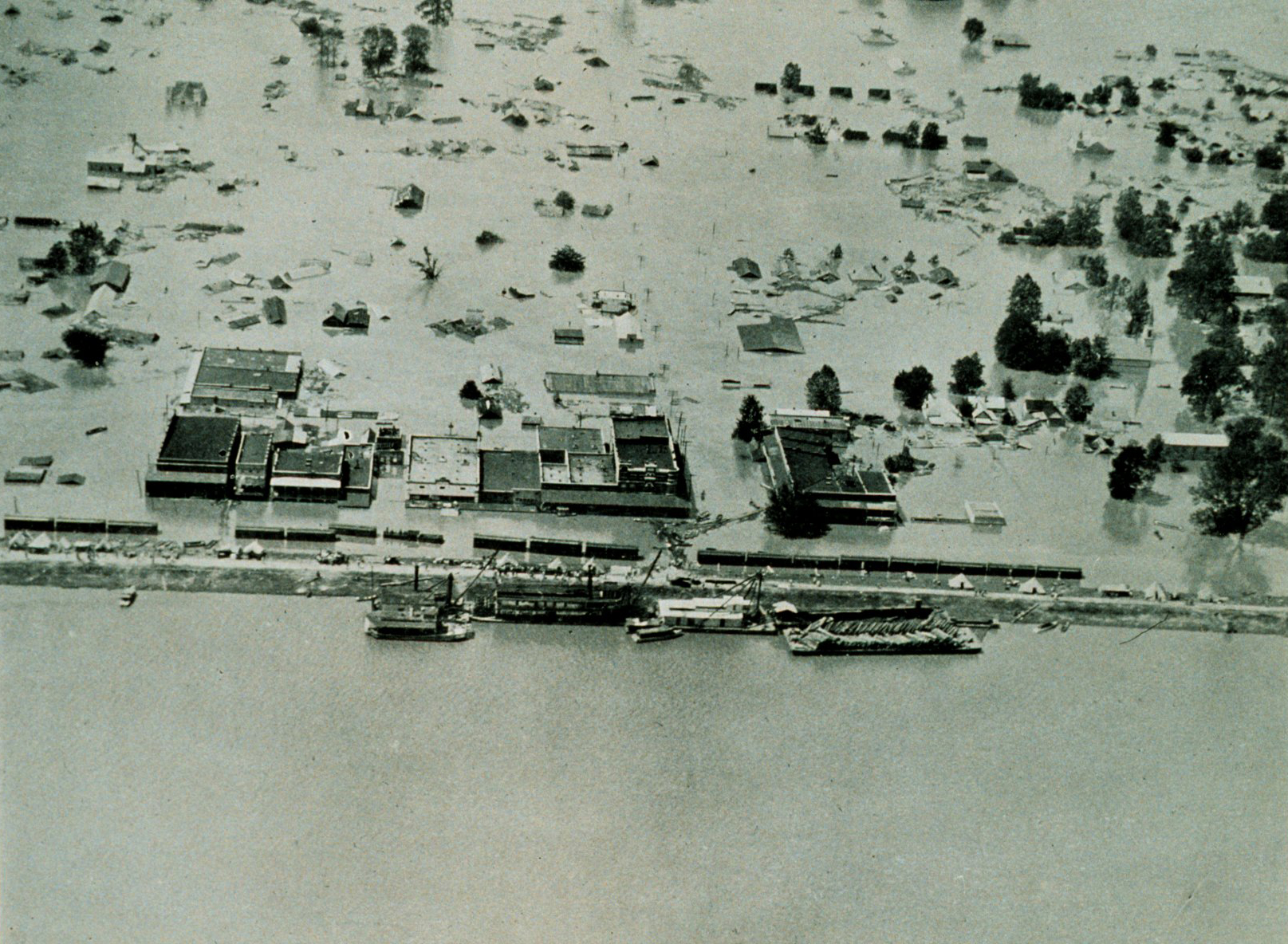 1927 mississippi flood Lessons from the great flood of 1927 rising tide: the great mississippi flood and how it changed america by john m barry by shannon jones 27 january 2006.