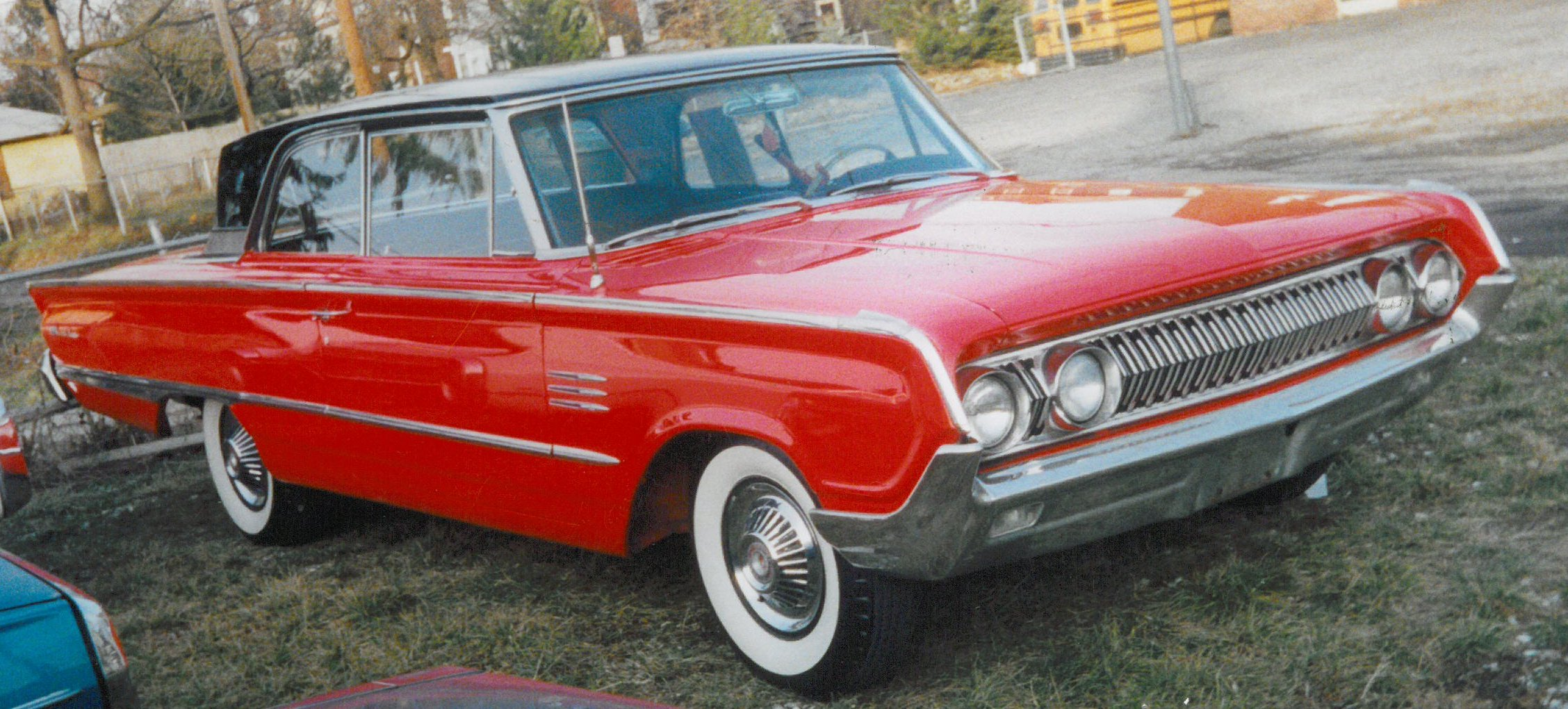 Build Your Own Ford >> File:1964 Mercury Montclair.jpg - Wikimedia Commons