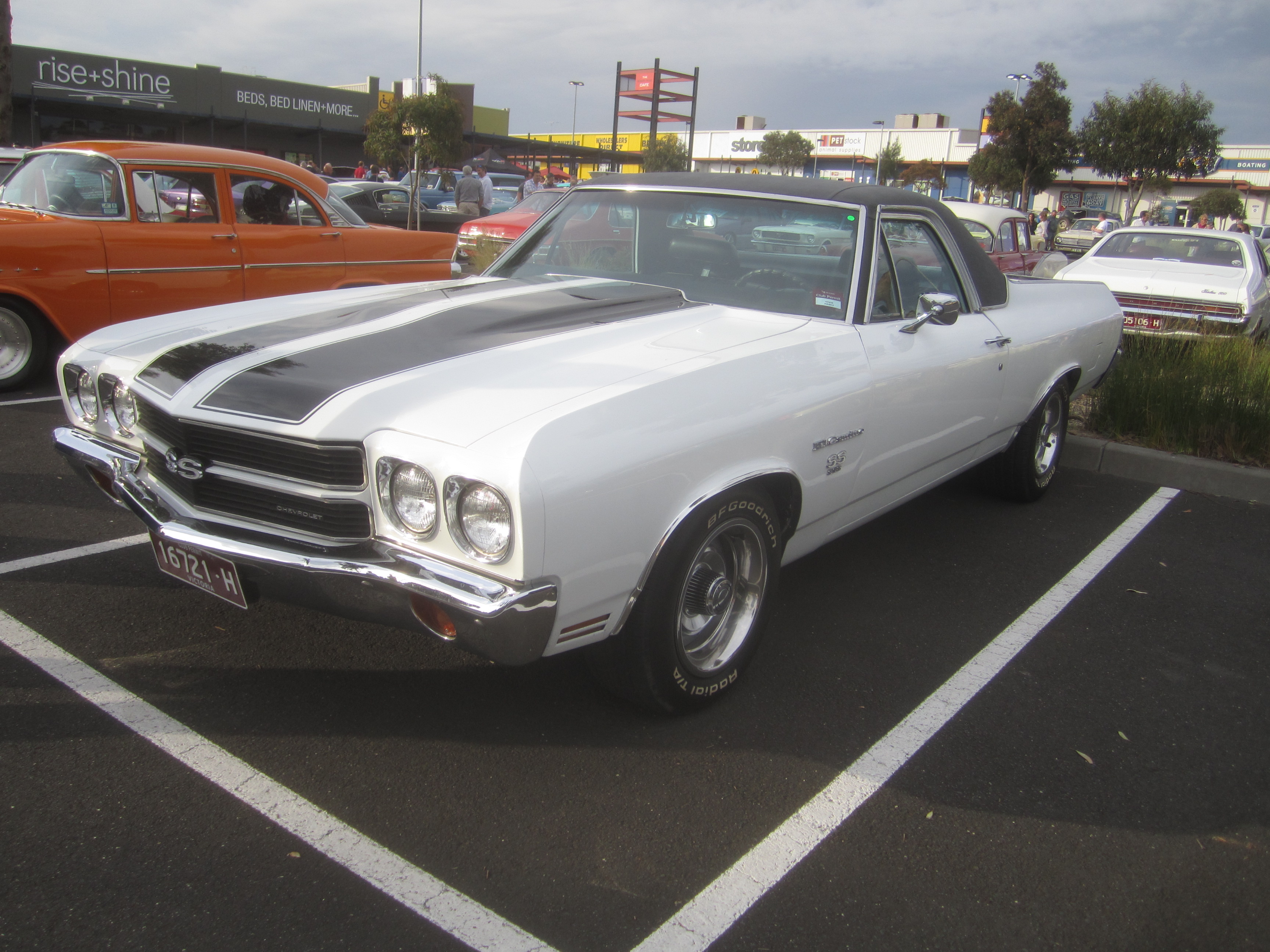 1969 Chevrolet Chevelle Pictures C3655 pi11717665 also 66 Chevelle Ss Craigslist in addition File 1970 Chevrolet El Camino SS396 likewise 1972 Chevrolet El Camino Pictures C10077 as well 70 Chevelle Wiring Harness Diagram. on 1964 chevelle malibu ss 454