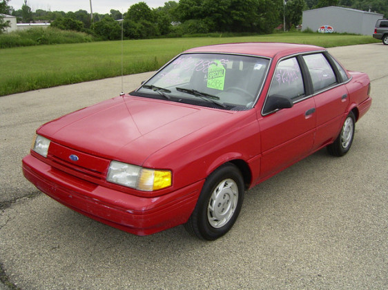 File:1992 Ford Tempo GL Sedan.jpg