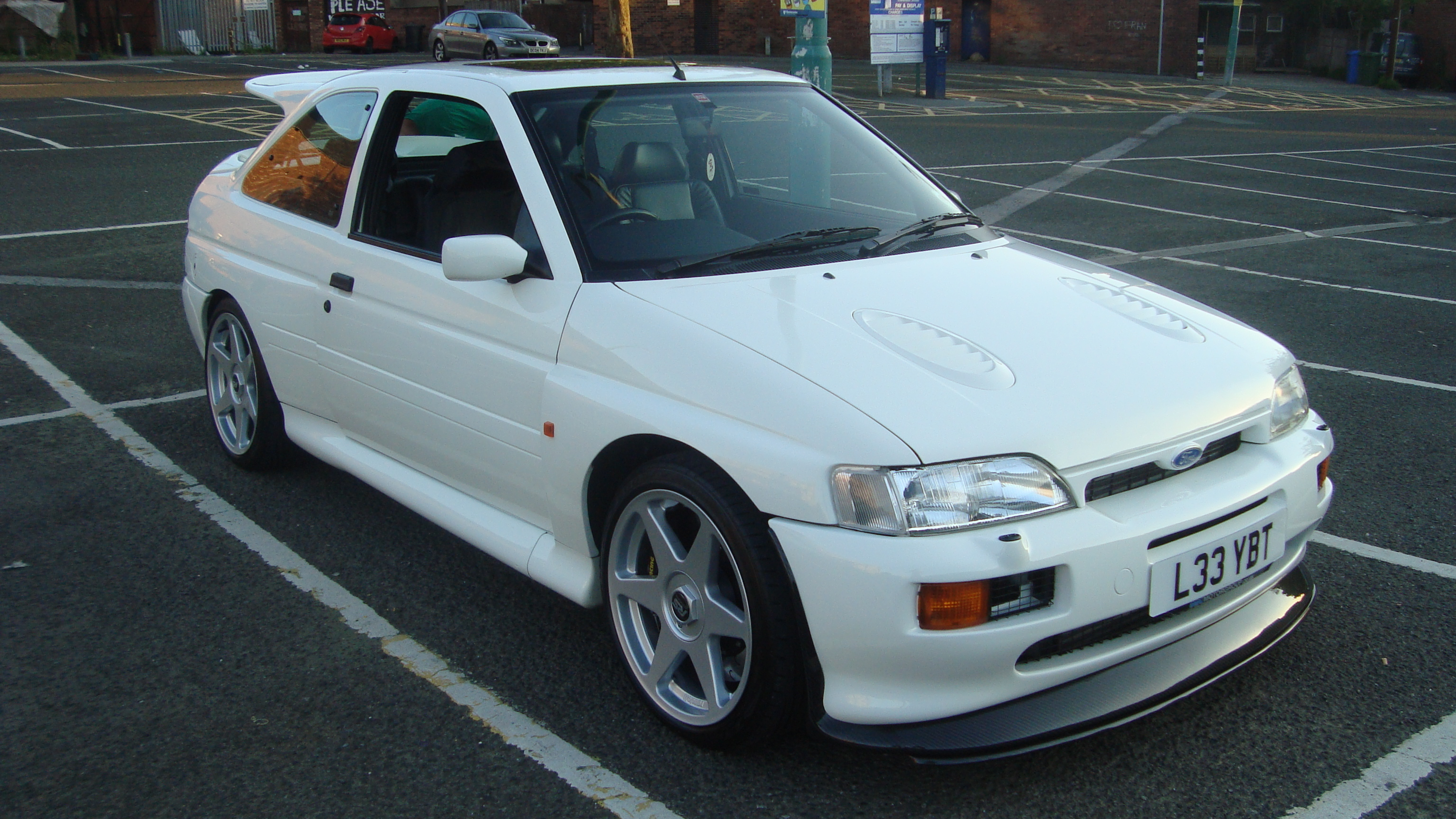 1993_Ford_Escort_RS_Cosworth_Luxury_%2814736242742%29.jpg