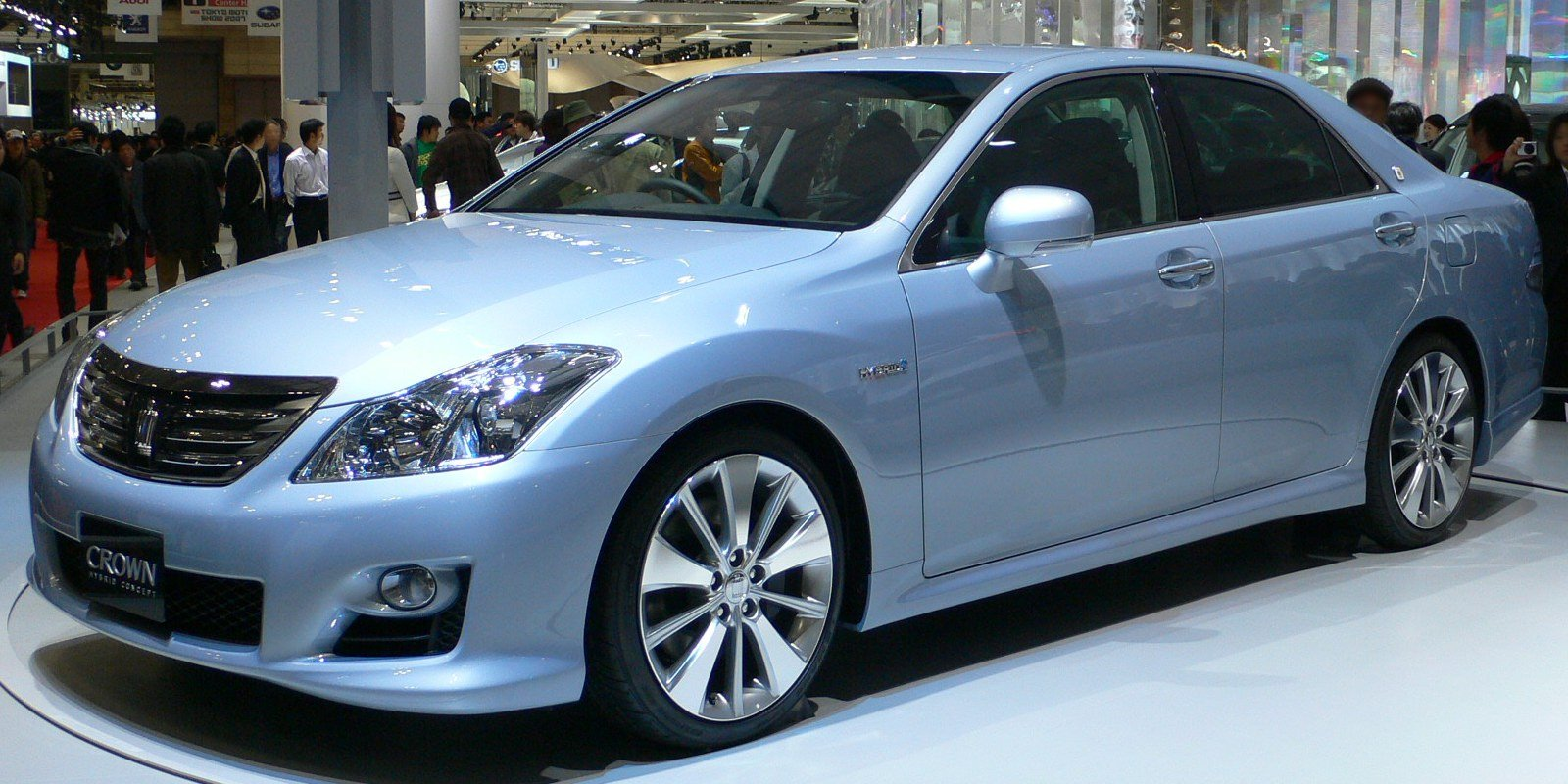 2011 toyota crown hybrid - photo #33
