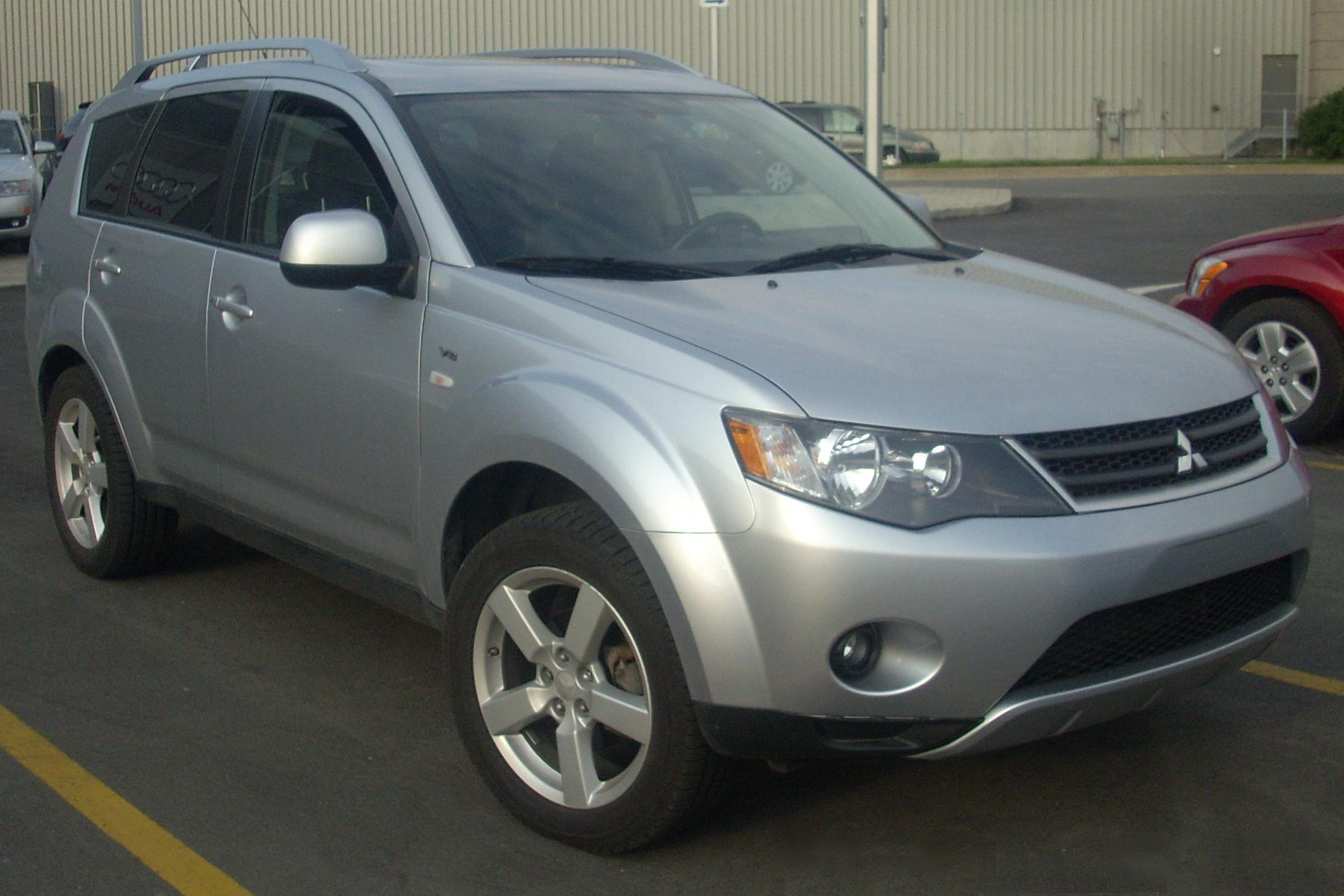 2008 mitsubishi outlander tire specs. Black Bedroom Furniture Sets. Home Design Ideas