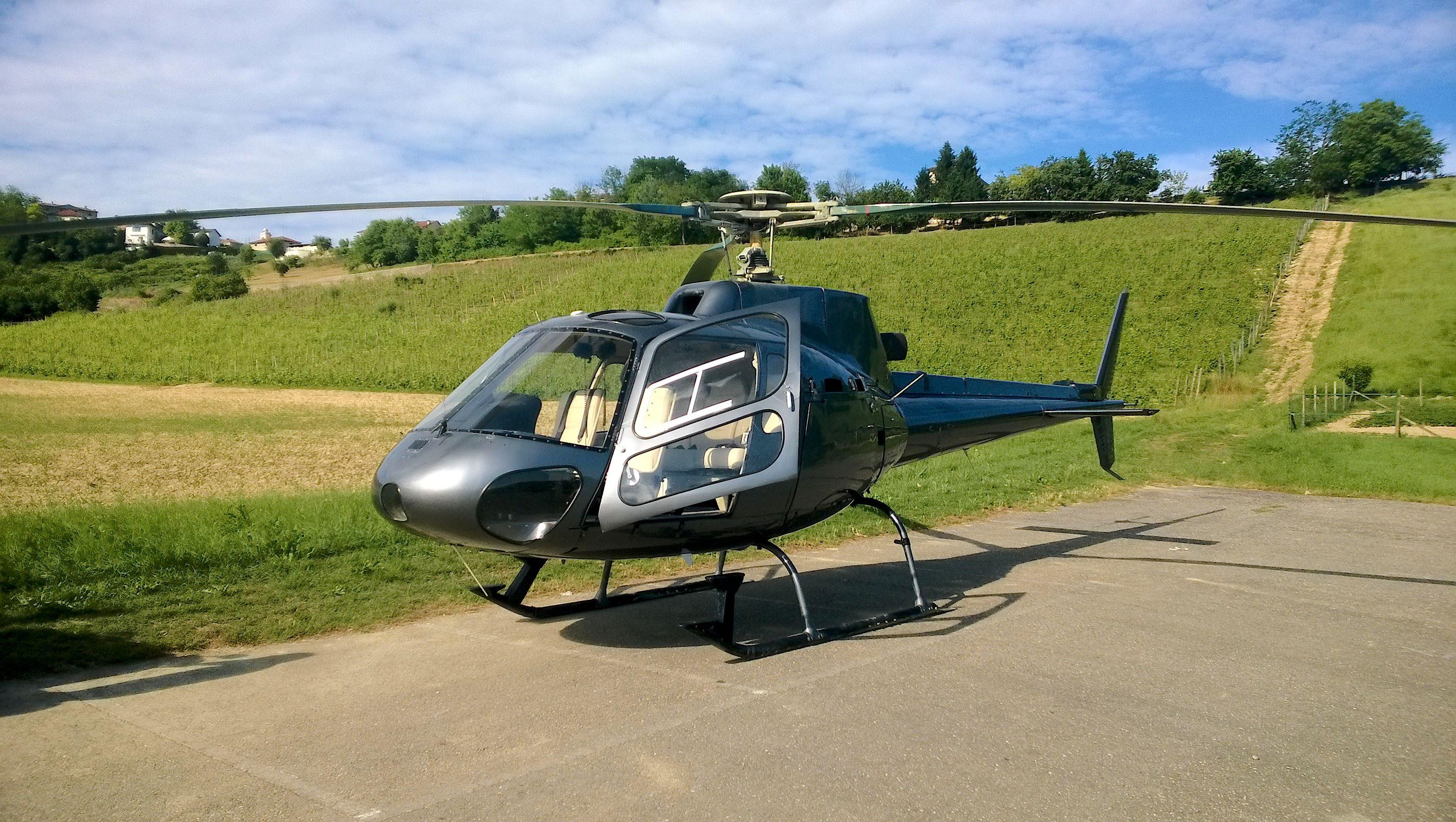 Elicottero 350 : File:aérospatiale as350 Écureuil f hfpp.jpg wikimedia commons