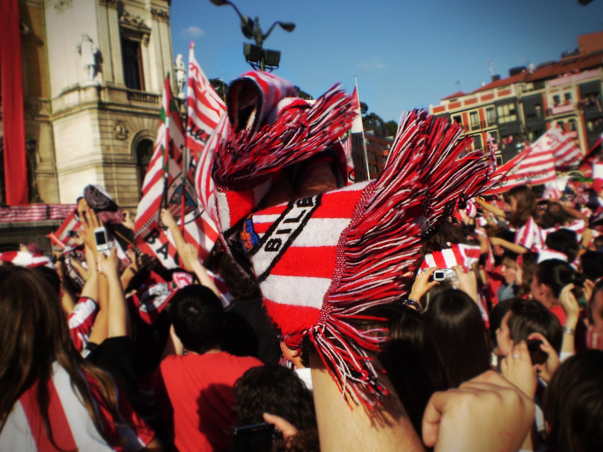 Así lucen las calles de Barcelona con la invasión de los leones (foto)